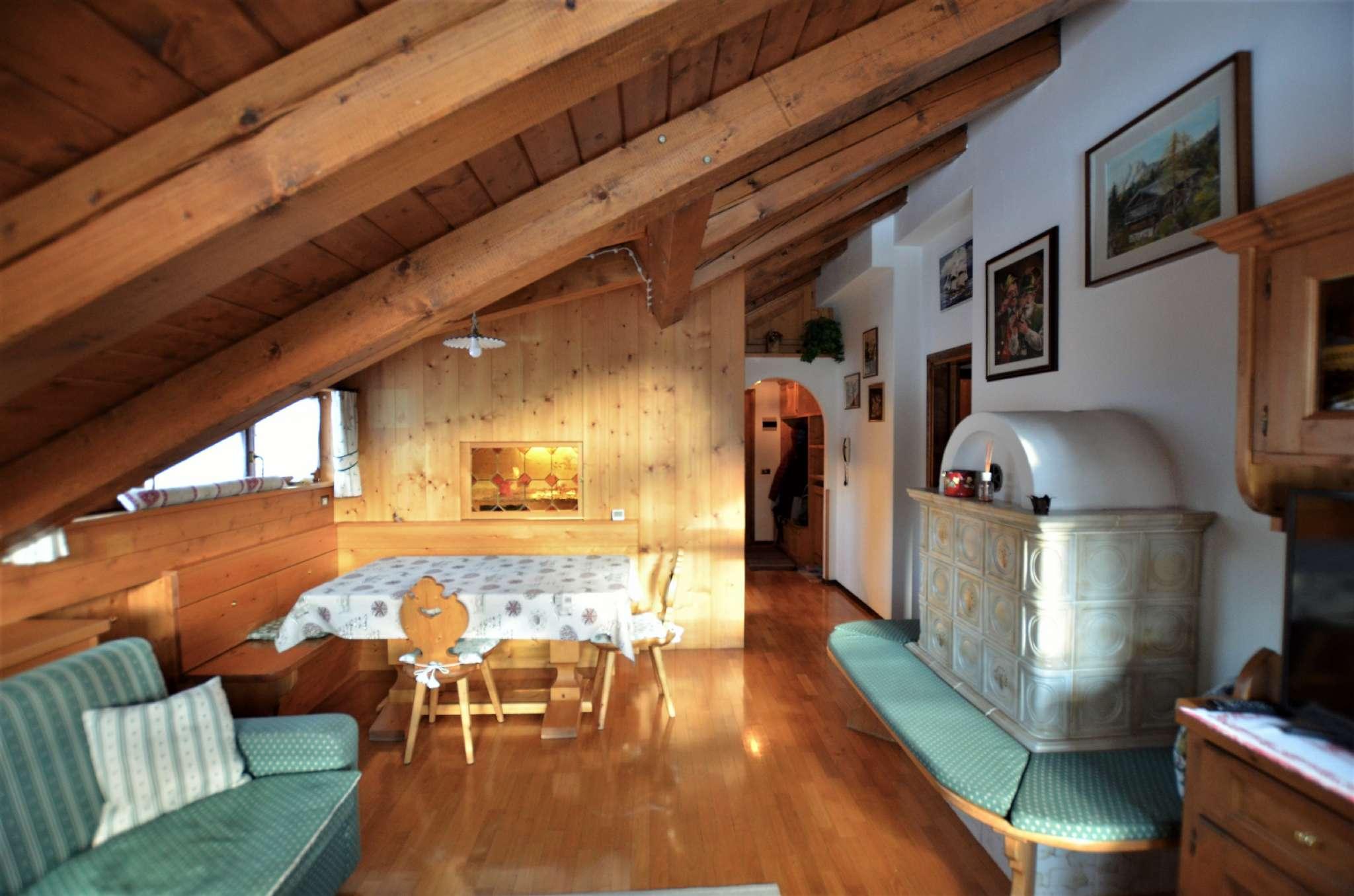 Attico / Mansarda in affitto a San Vito di Cadore, 5 locali, Trattative riservate | CambioCasa.it