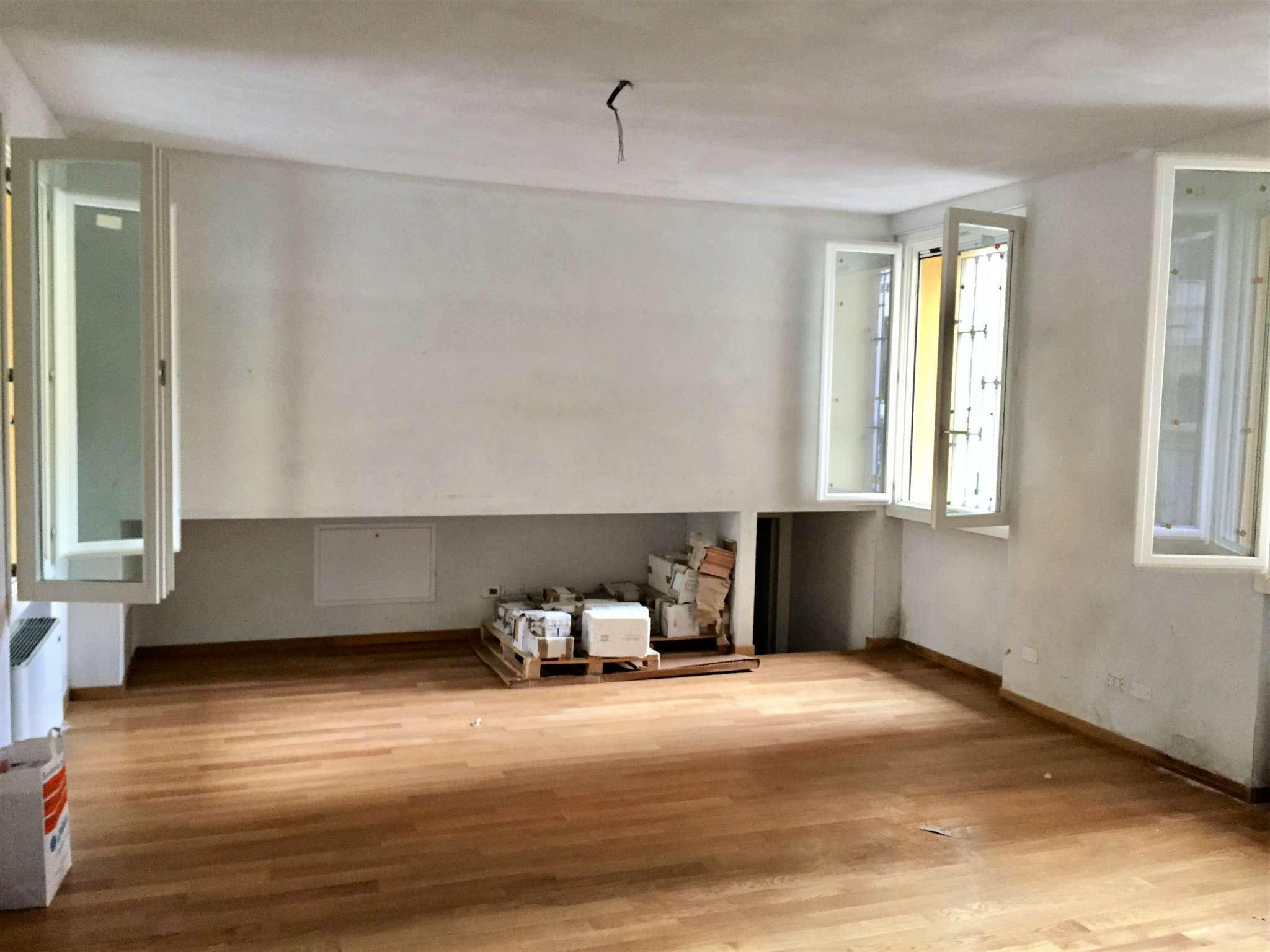 Ufficio / Studio in affitto a Corsico, 1 locali, prezzo € 700 | CambioCasa.it
