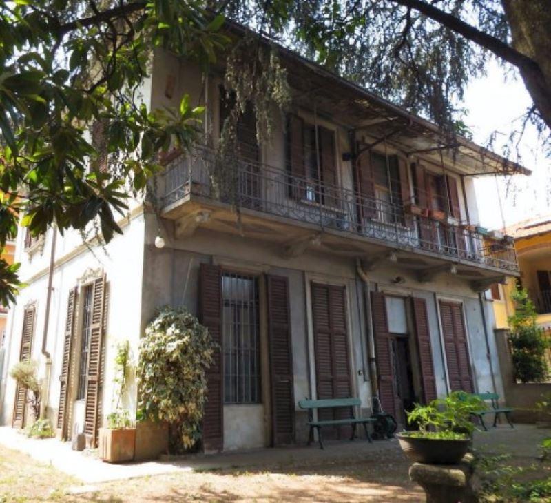 Villa in vendita a Seregno, 6 locali, prezzo € 600.000 | Cambio Casa.it