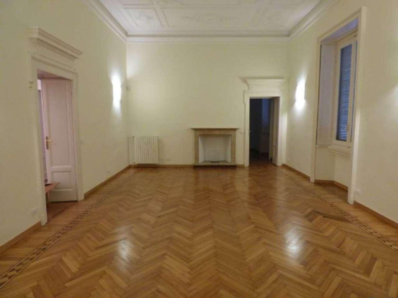Appartamento in Affitto a Milano 08 Vercelli / Magenta / Cadorna / Washington: 5 locali, 300 mq