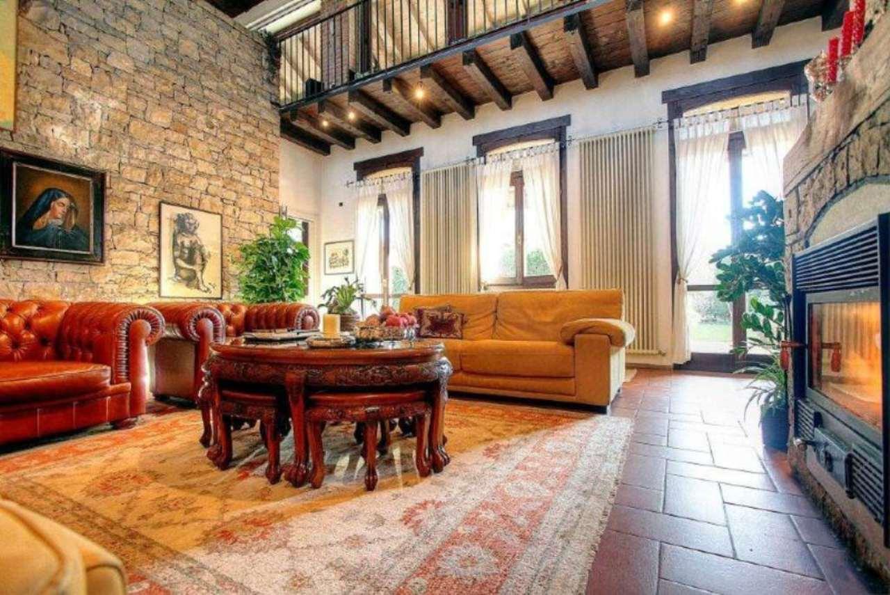 Rustico / Casale in affitto a Vernate, 6 locali, prezzo € 2.400 | Cambio Casa.it
