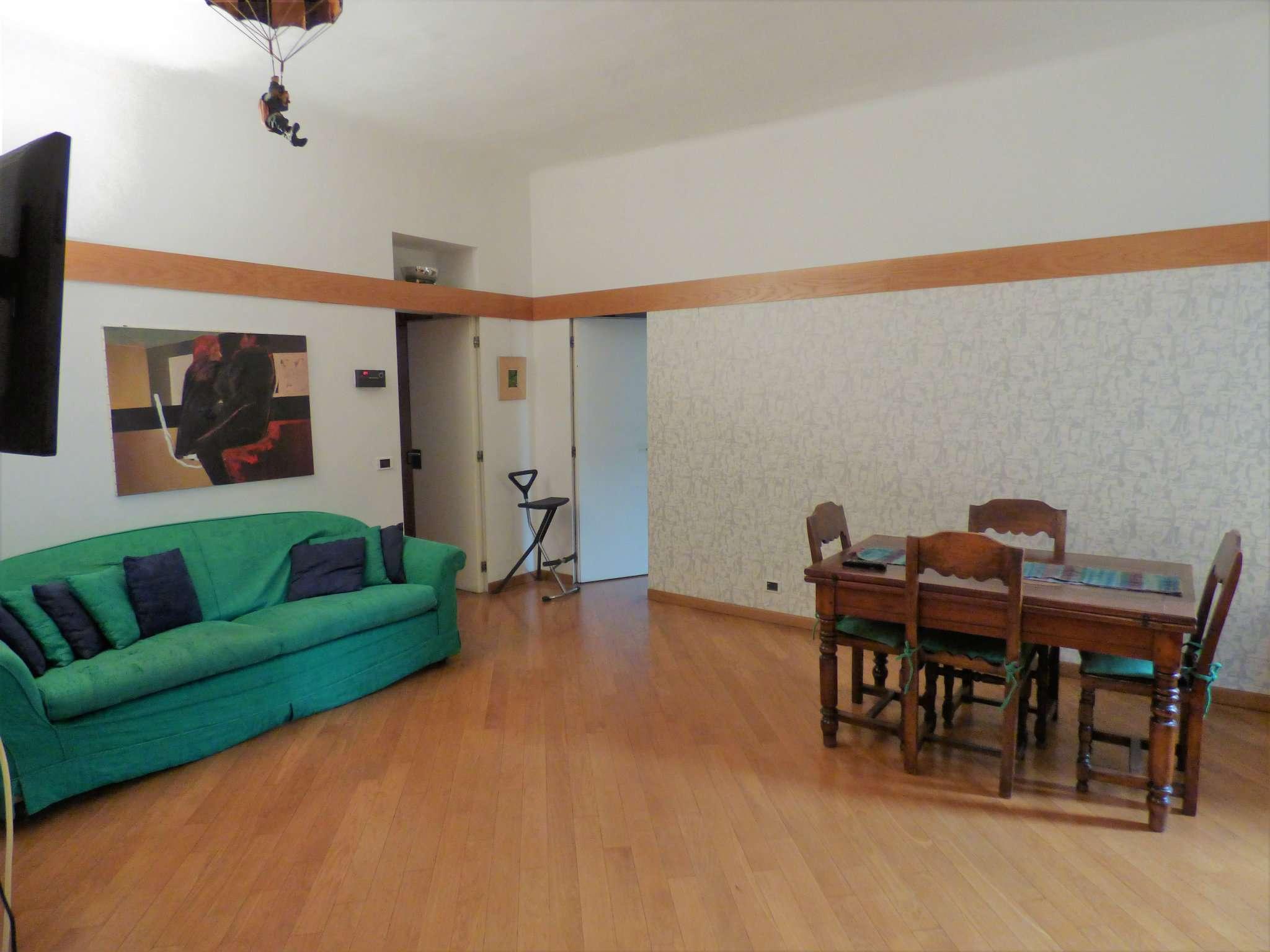 Appartamento in Vendita a Milano 03 Venezia / Piave / Buenos Aires: 2 locali, 90 mq