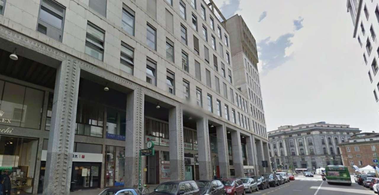 Negozio / Locale in affitto a Milano, 3 locali, zona Zona: 1 . Centro Storico, Duomo, Brera, Cadorna, Cattolica, prezzo € 5.000 | CambioCasa.it