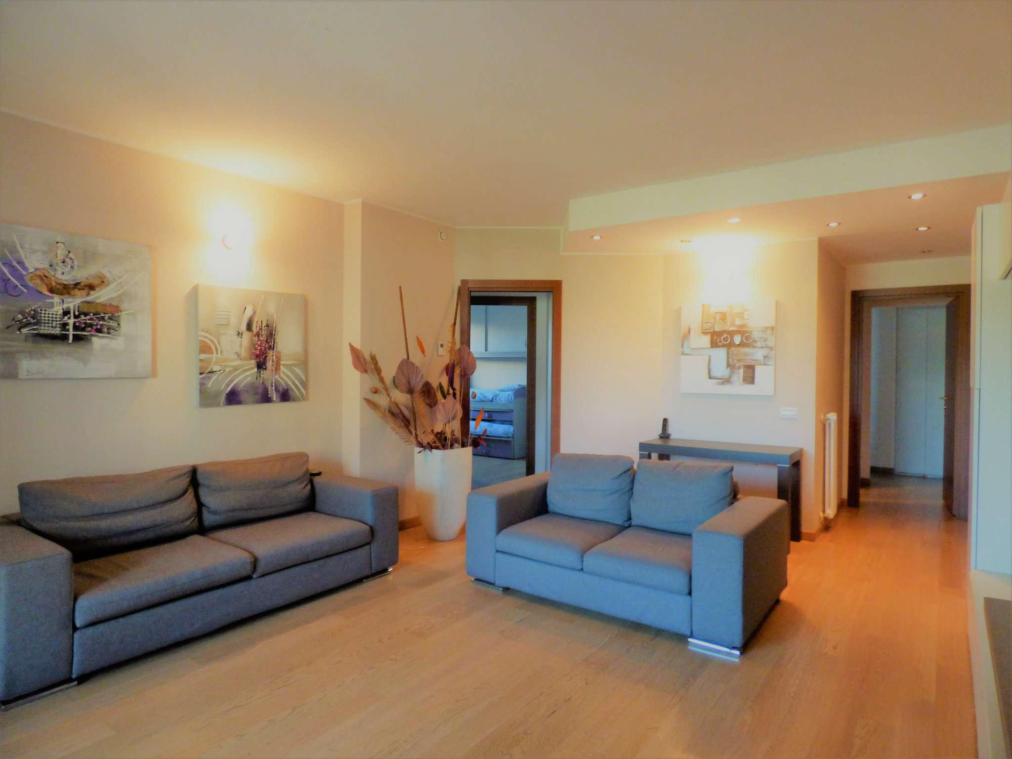 Appartamento in vendita a Milano, 4 locali, zona Zona: 14 . Lotto, Novara, San Siro, QT8 , Montestella, Rembrandt, prezzo € 375.000 | CambioCasa.it