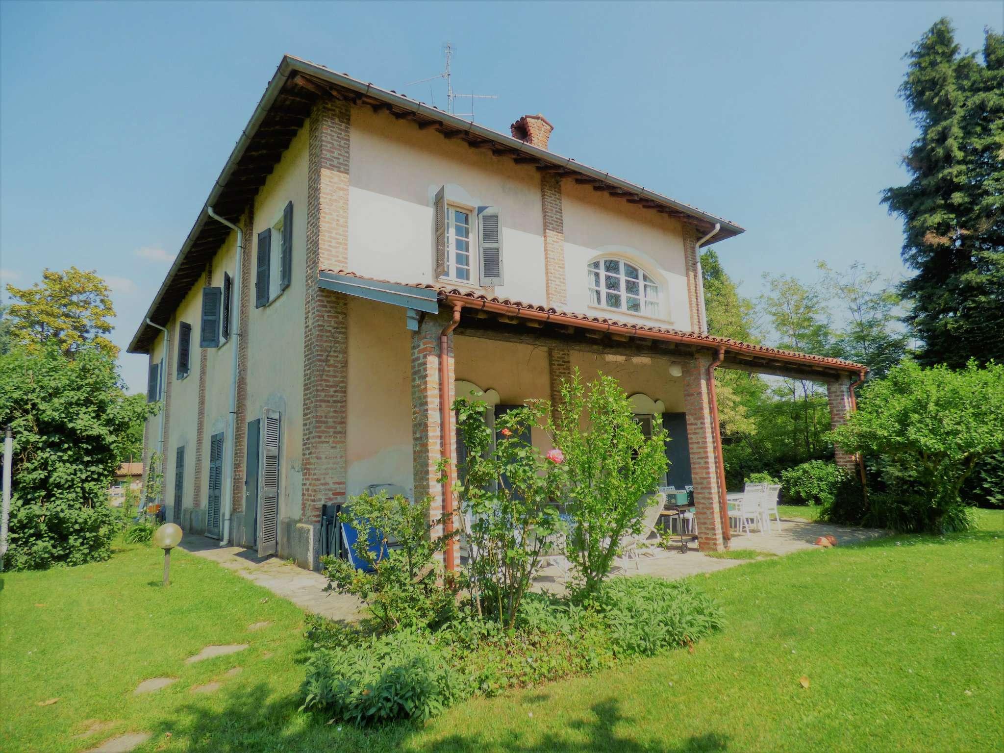 Rustico / Casale in affitto a Tradate, 8 locali, prezzo € 2.000 | Cambio Casa.it