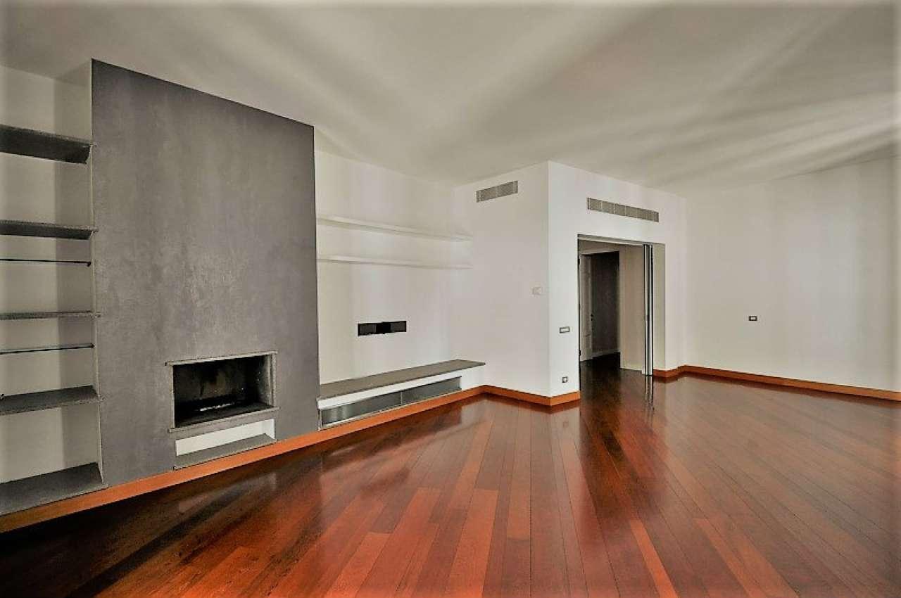 Appartamento in affitto a milano via morigi for Planimetrie dell armadio