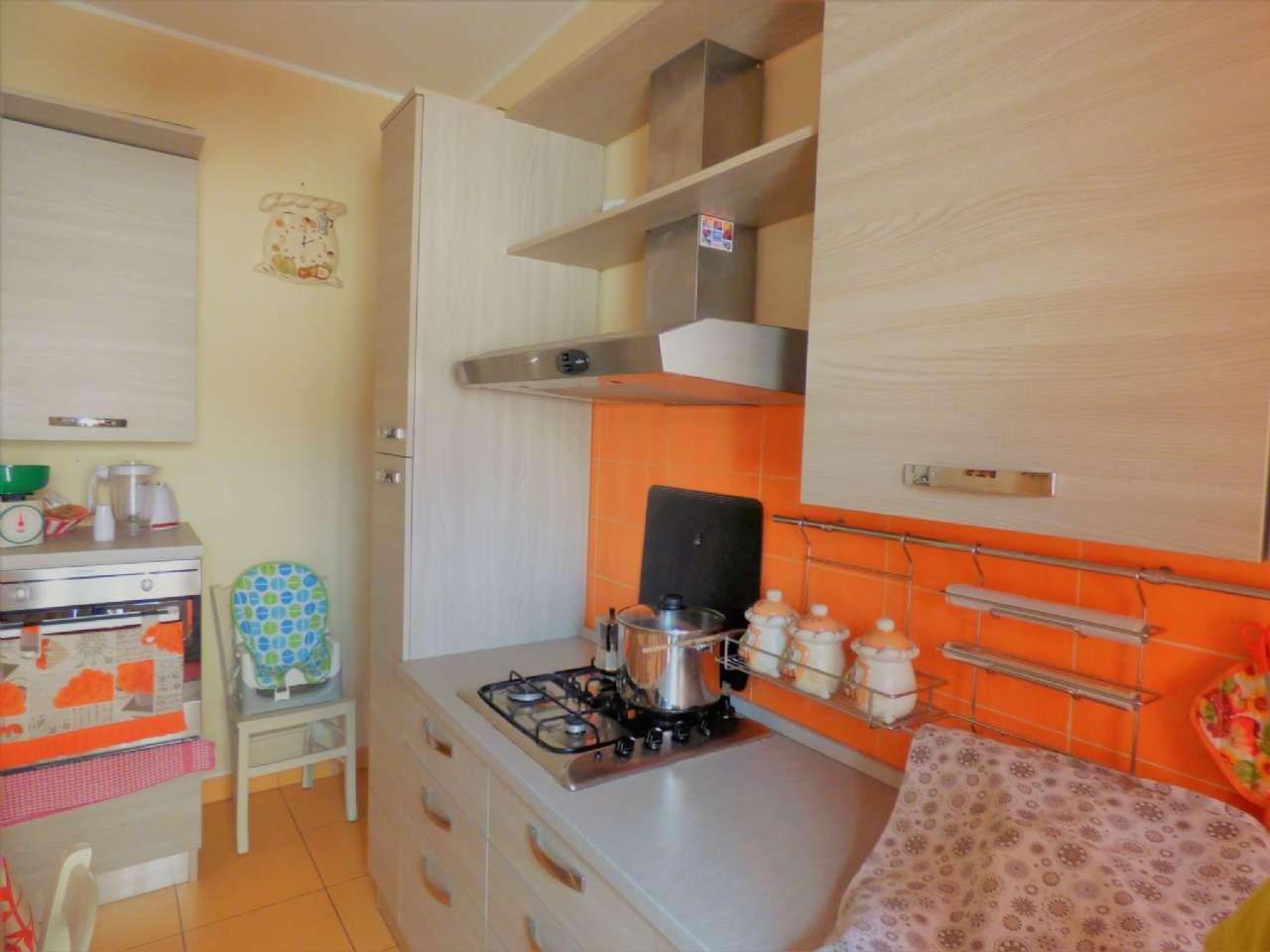Appartamento in vendita 3 vani 95 mq.  viale MONZA Milano