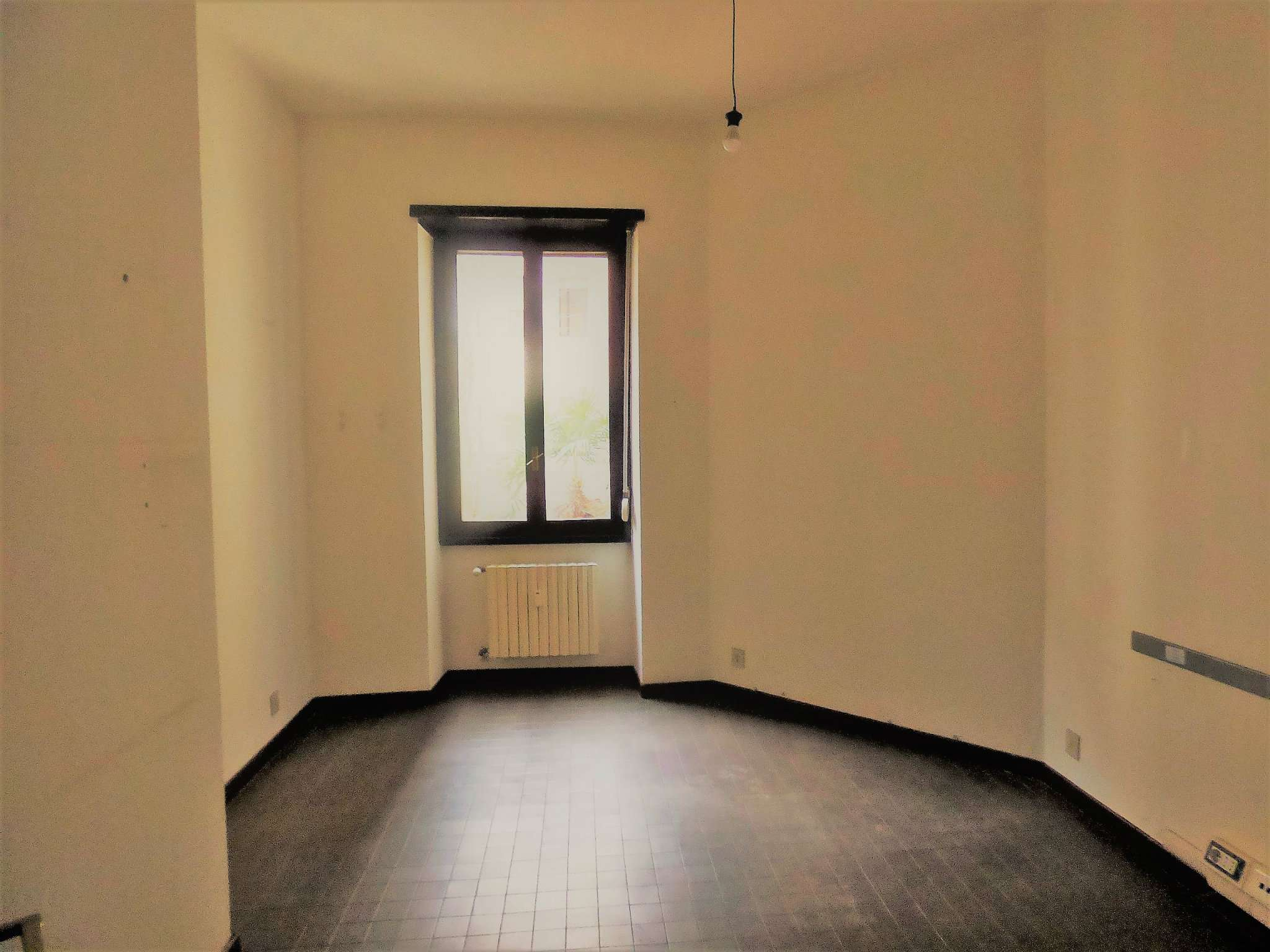 Ufficio-studio in Affitto a Milano 17 Marghera / Wagner / Fiera: 3 locali, 93 mq