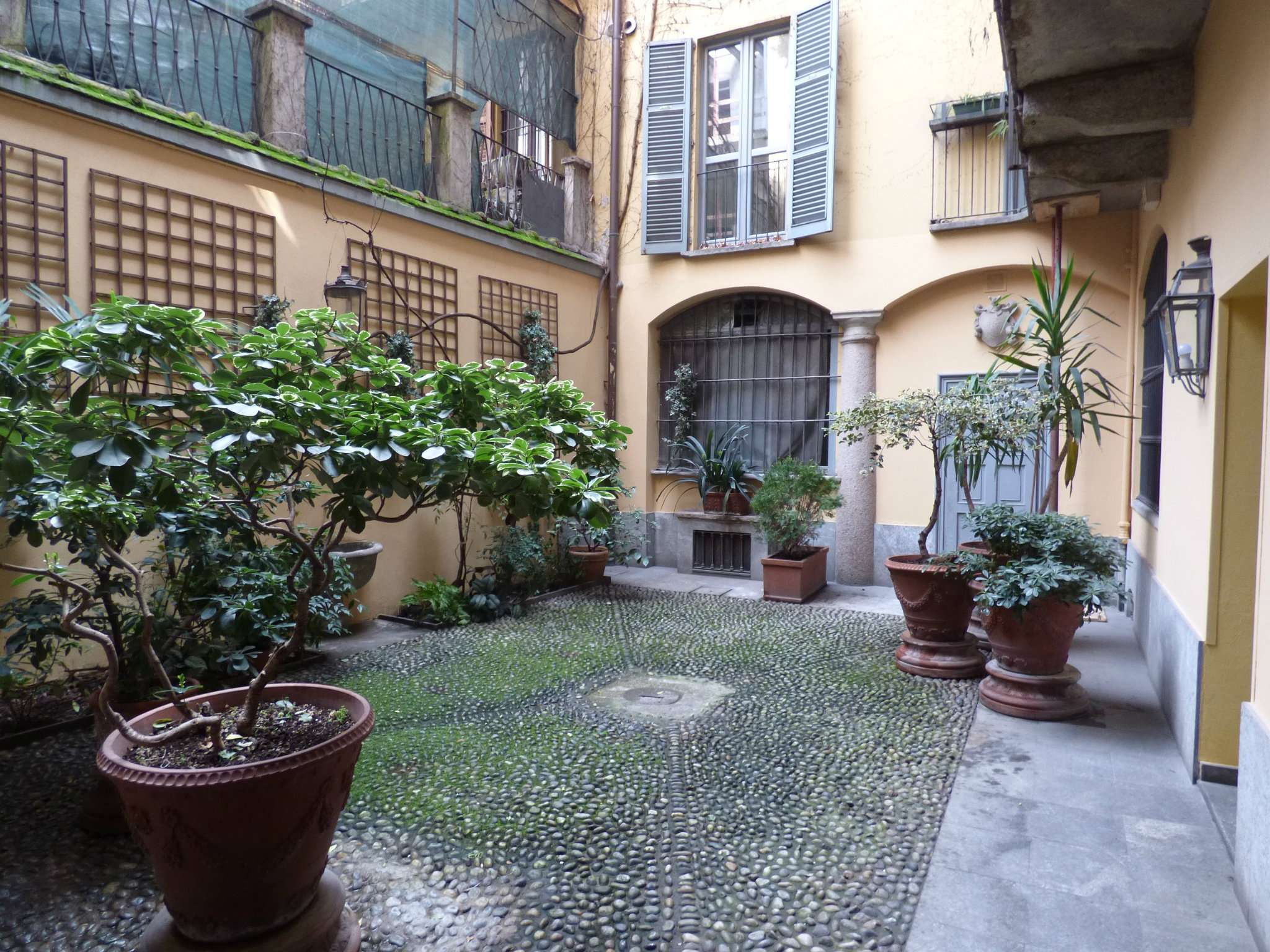 Appartamento in Vendita a Milano 01 Centro storico (Cerchia dei Navigli): 3 locali, 73 mq