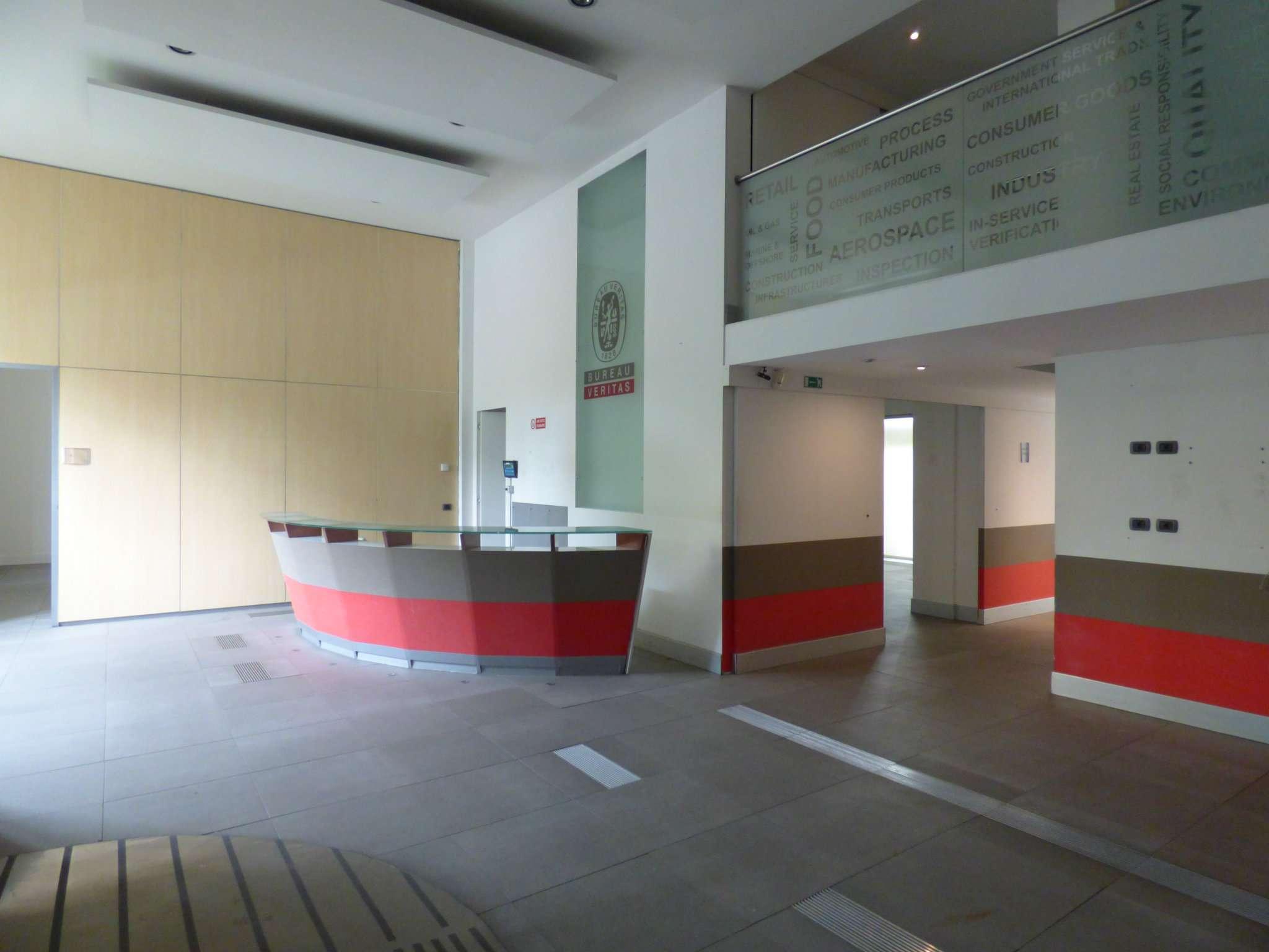 Ufficio-studio in Affitto a Milano 20 Bicocca / Crescenzago / Cimiano: 5 locali, 590 mq