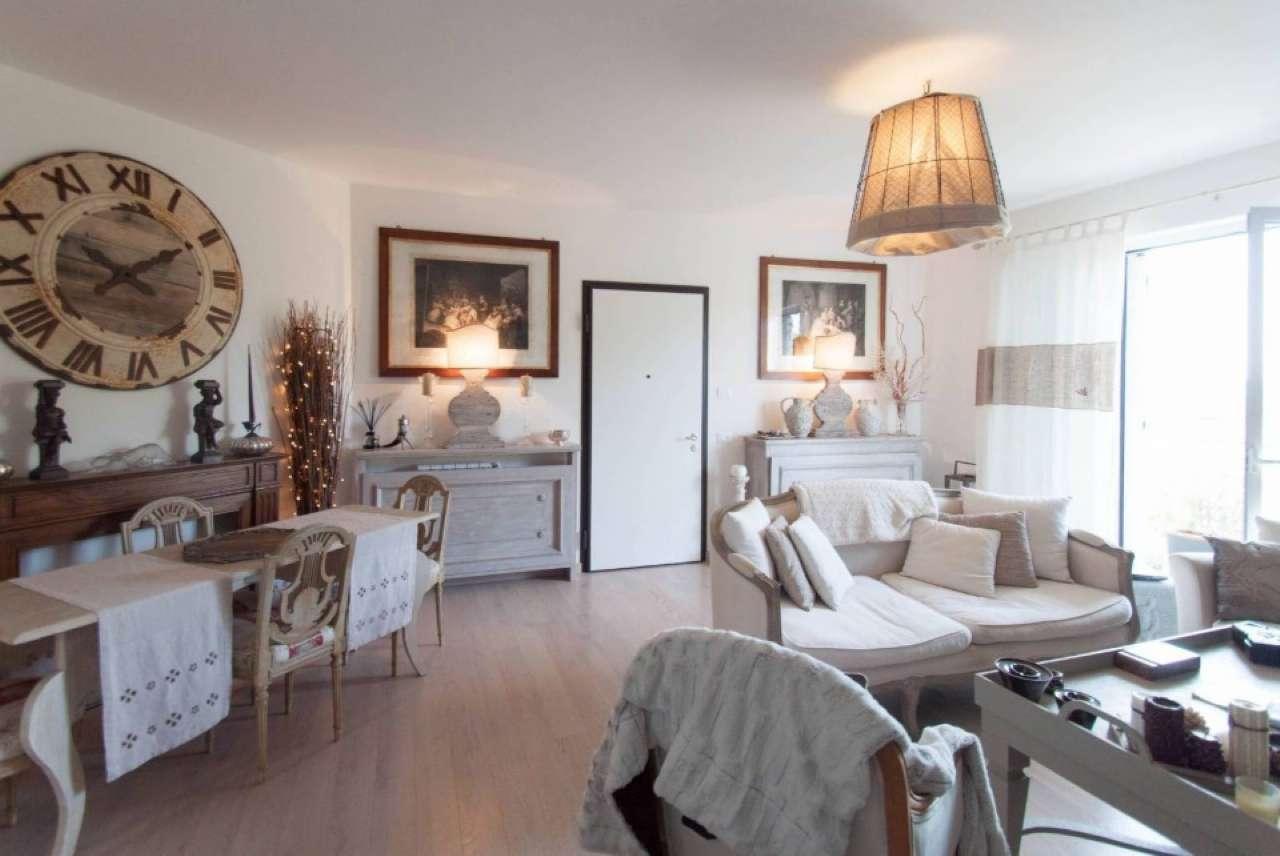 Appartamento in Vendita a Pietrasanta: 4 locali, 90 mq