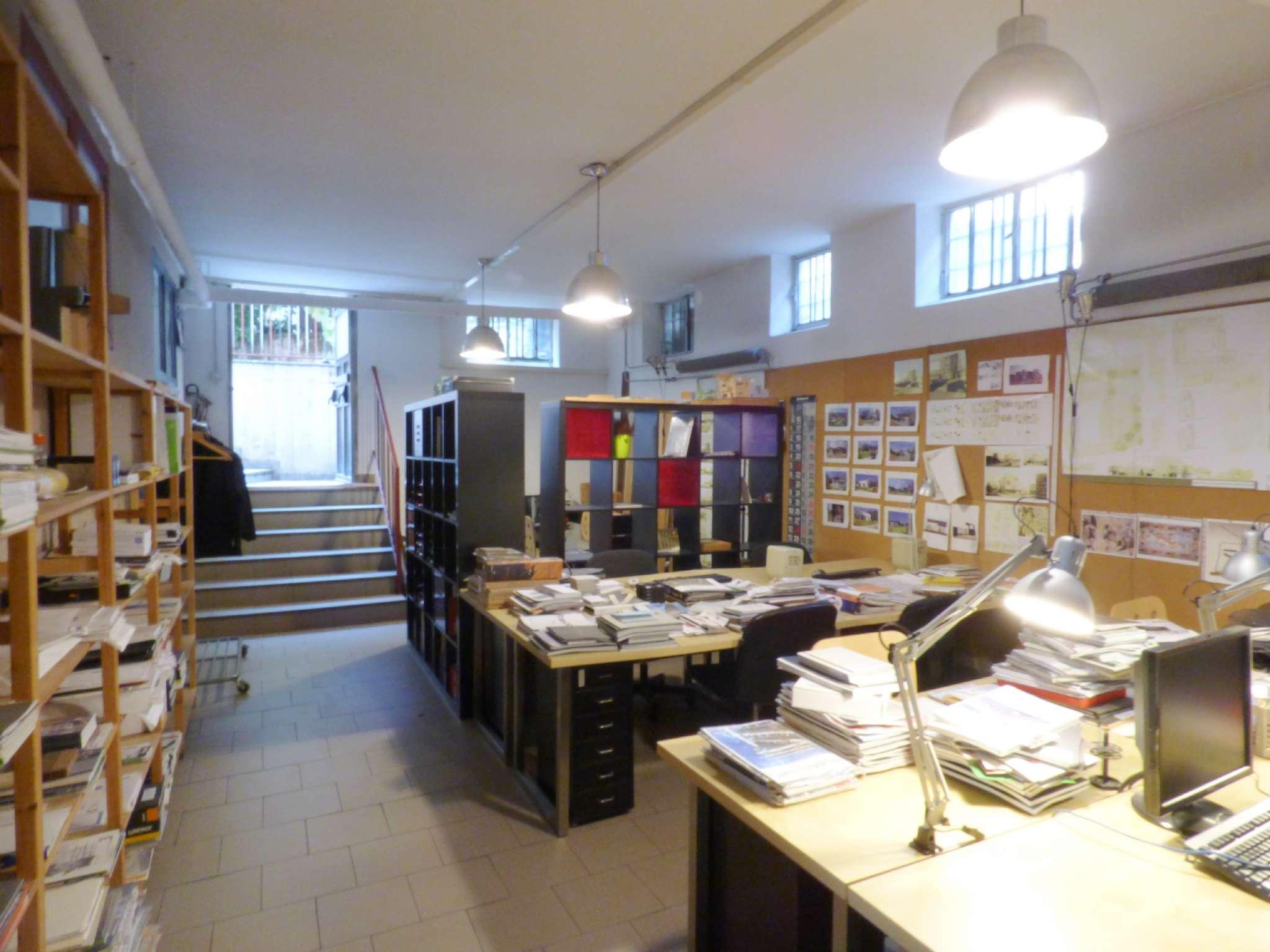 Laboratorio in Vendita a Milano 17 Marghera / Wagner / Fiera:  5 locali, 215 mq  - Foto 1