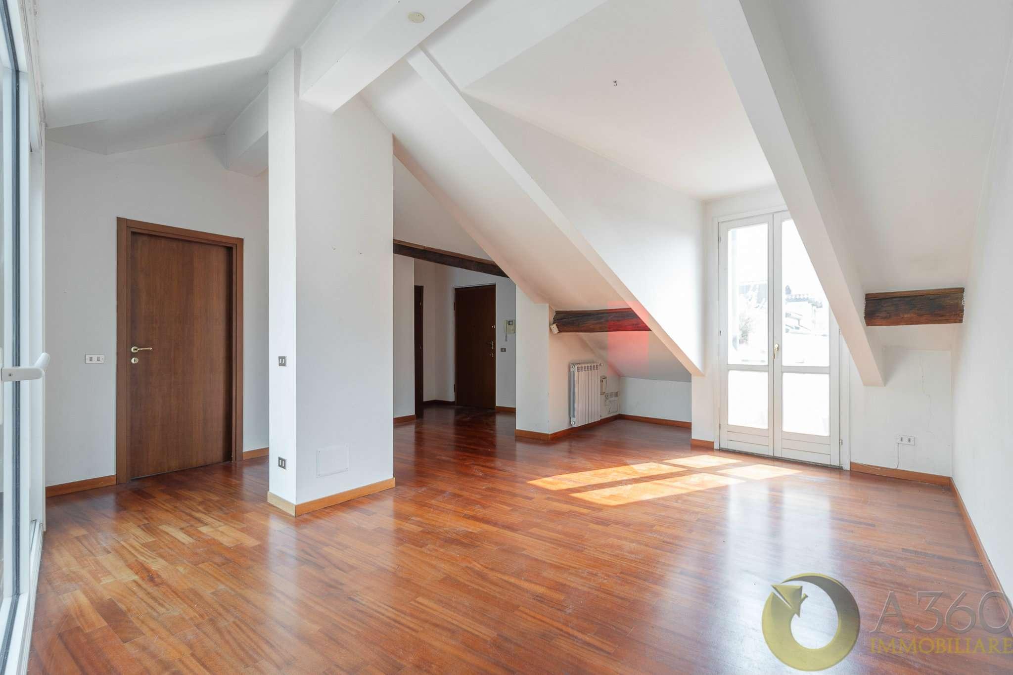 Appartamento in Vendita a Milano 03 Venezia / Piave / Buenos Aires:  5 locali, 182 mq  - Foto 1