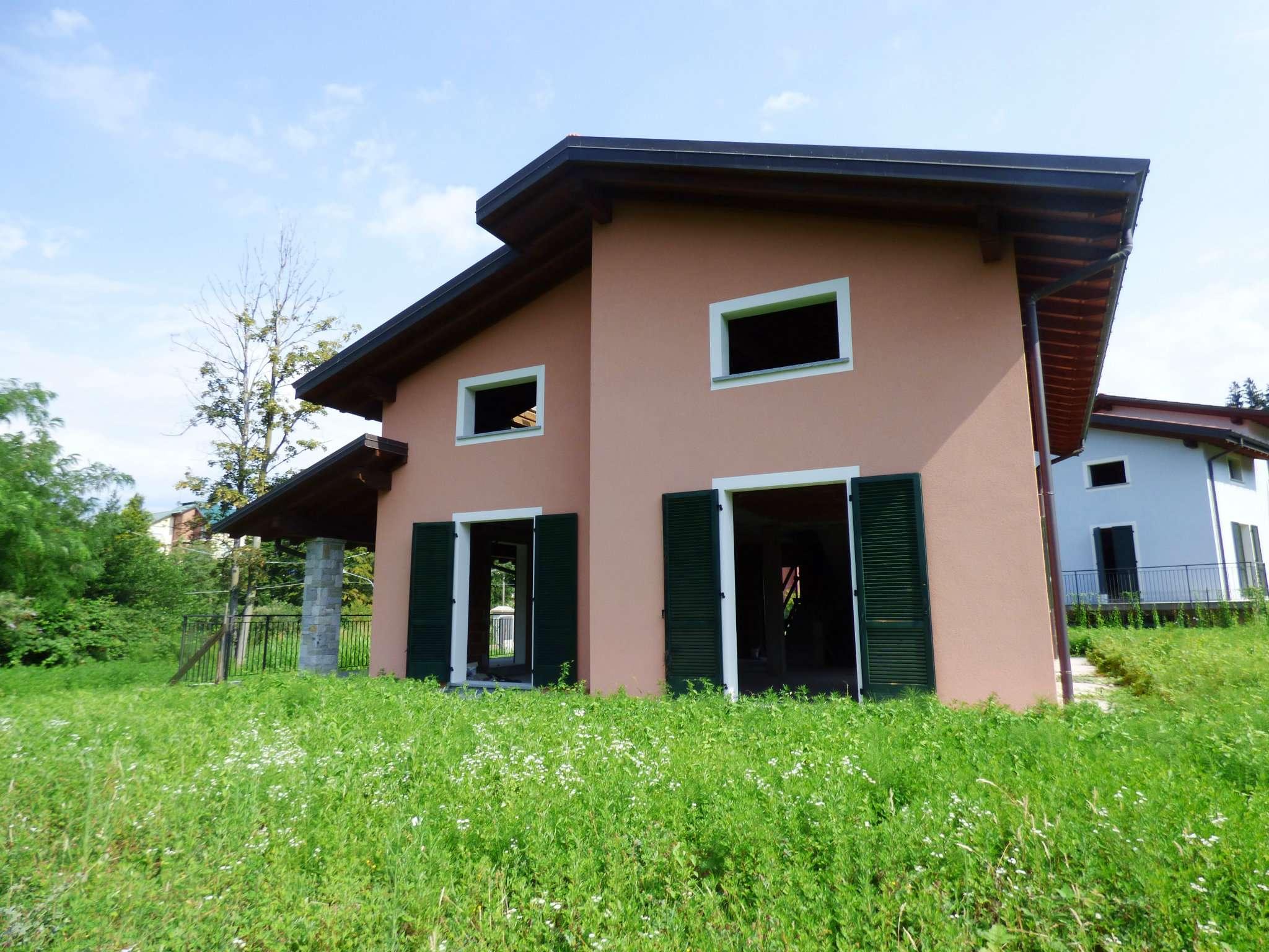 Villa in Vendita a Laveno-Mombello Periferia: 5 locali, 400 mq