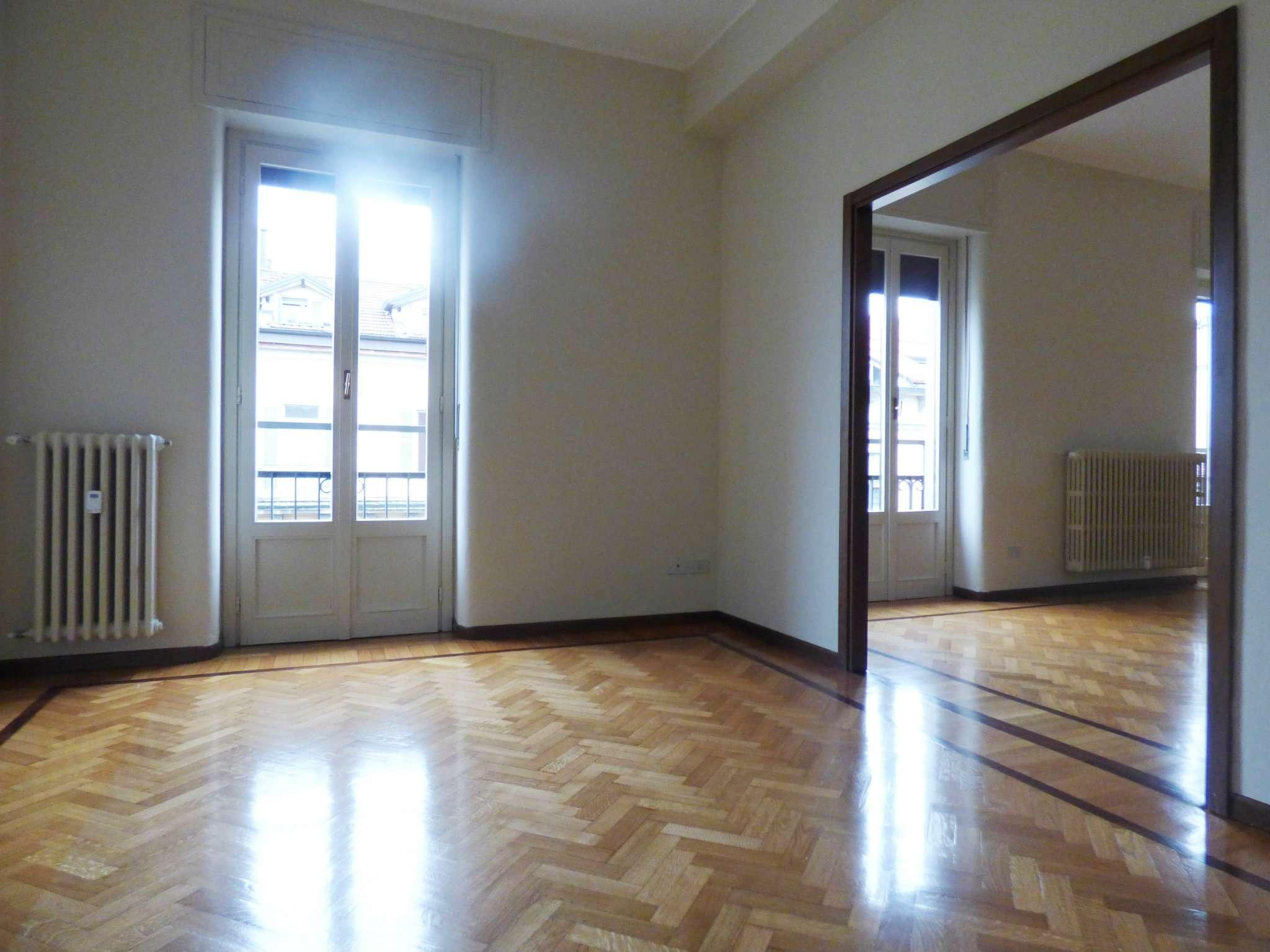 Appartamento in Affitto a Milano 01 Centro storico (Cerchia dei Navigli): 5 locali, 185 mq