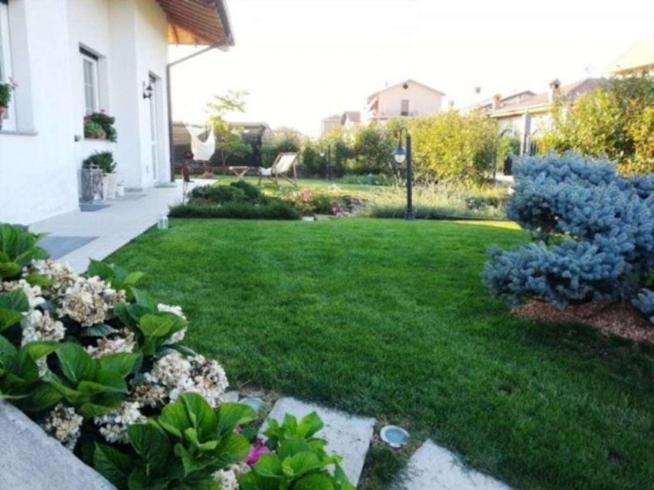 Villa in vendita a Parabiago, 4 locali, prezzo € 420.000 | Cambio Casa.it
