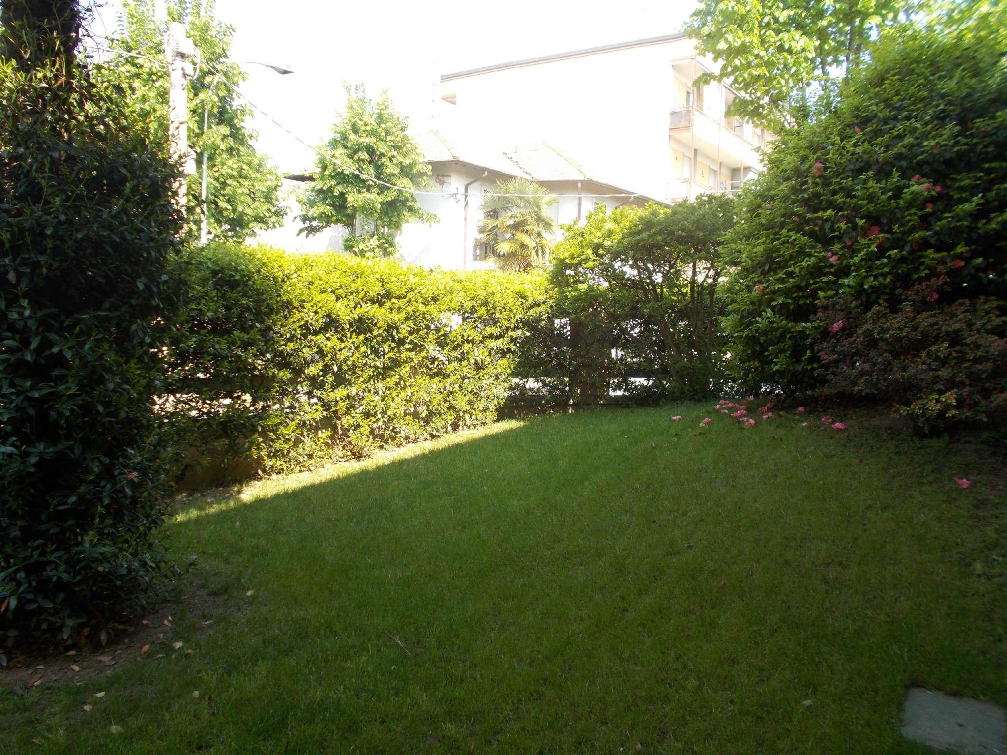 Villa in vendita a Arluno, 5 locali, prezzo € 350.000 | Cambio Casa.it