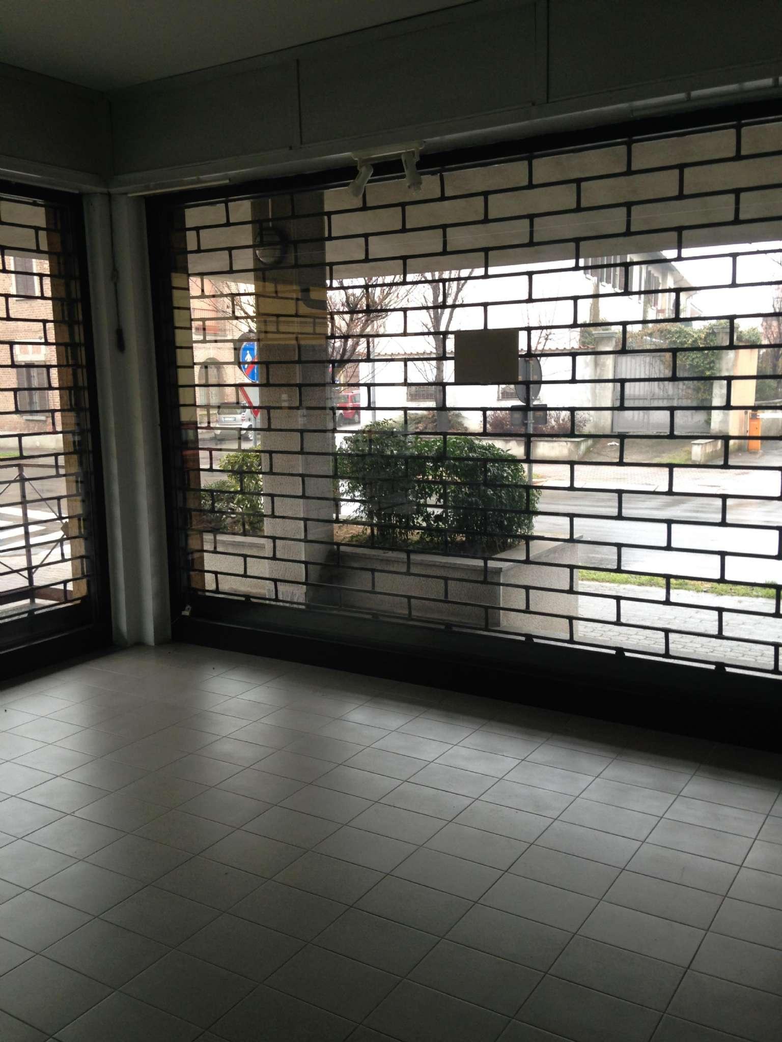 Negozio / Locale in affitto a Vittuone, 4 locali, prezzo € 1.100 | Cambio Casa.it