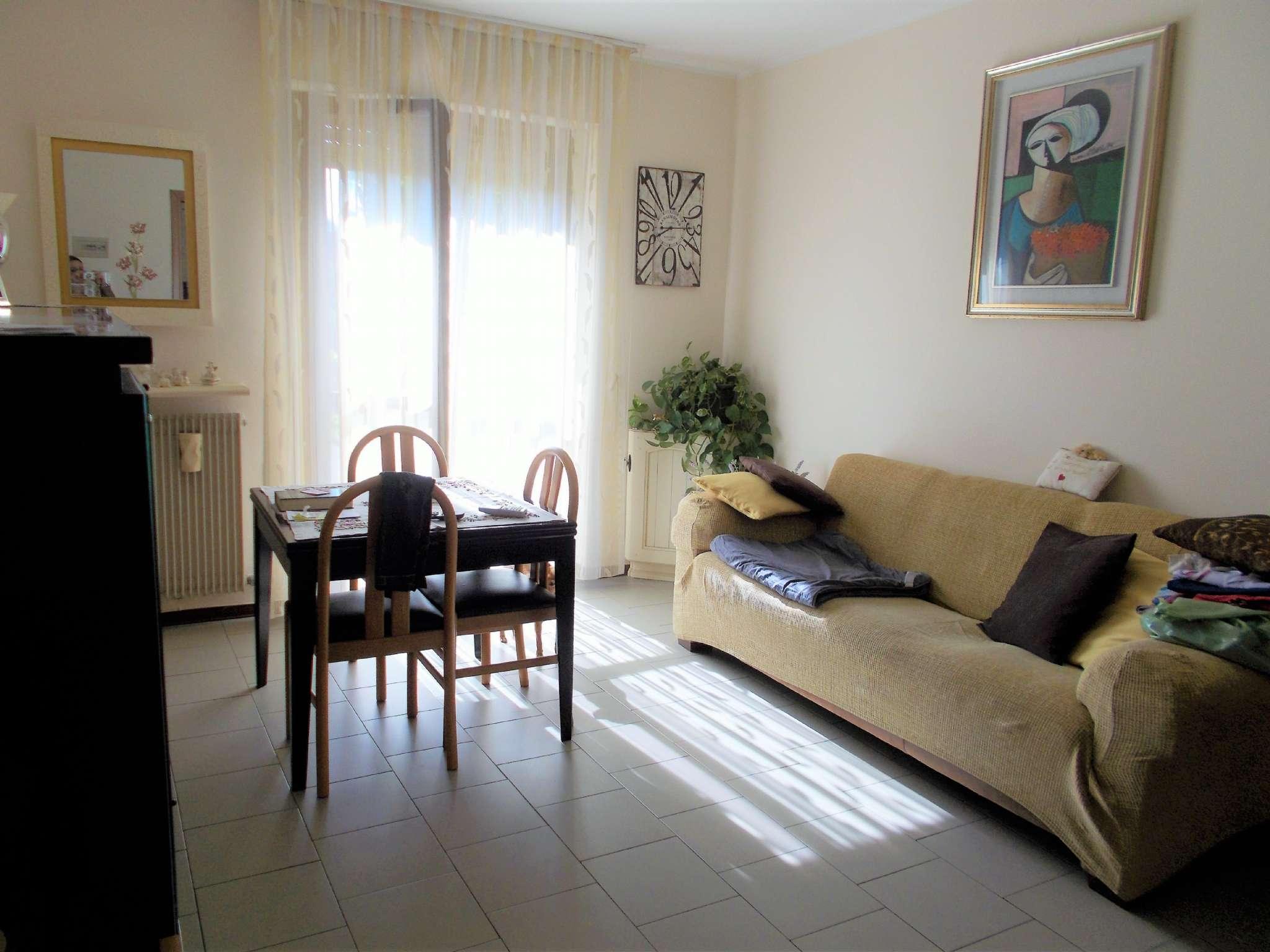 Appartamento in vendita a Bareggio, 3 locali, prezzo € 135.000 | Cambio Casa.it