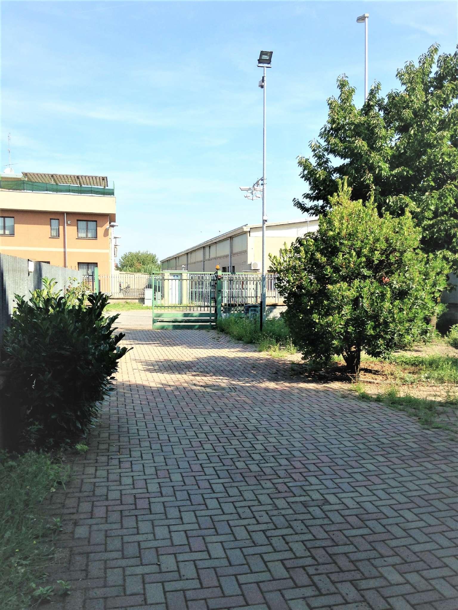 Capannone in vendita a Bareggio, 4 locali, prezzo € 320.000 | Cambio Casa.it