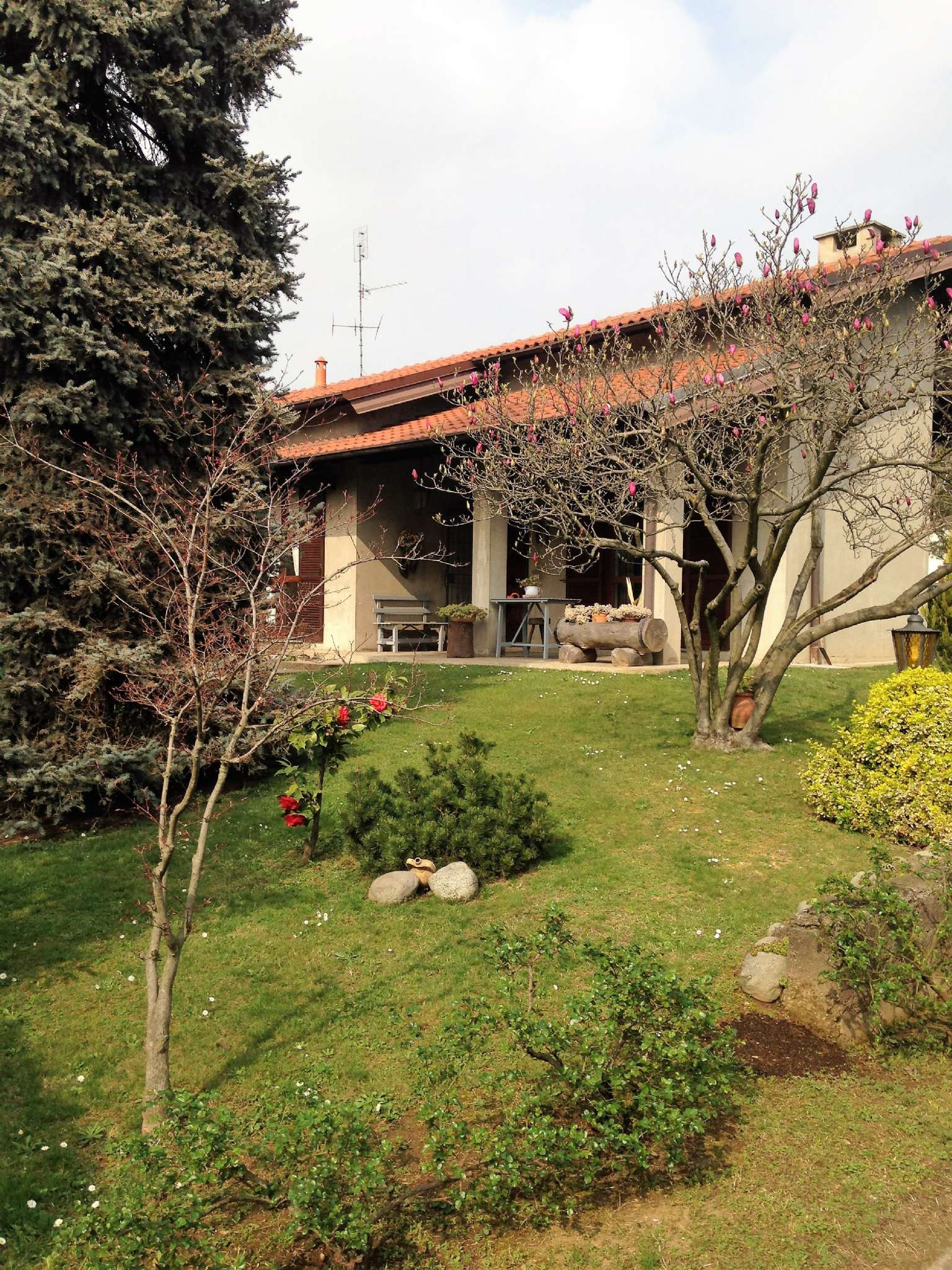 Villa in Vendita a Ossona