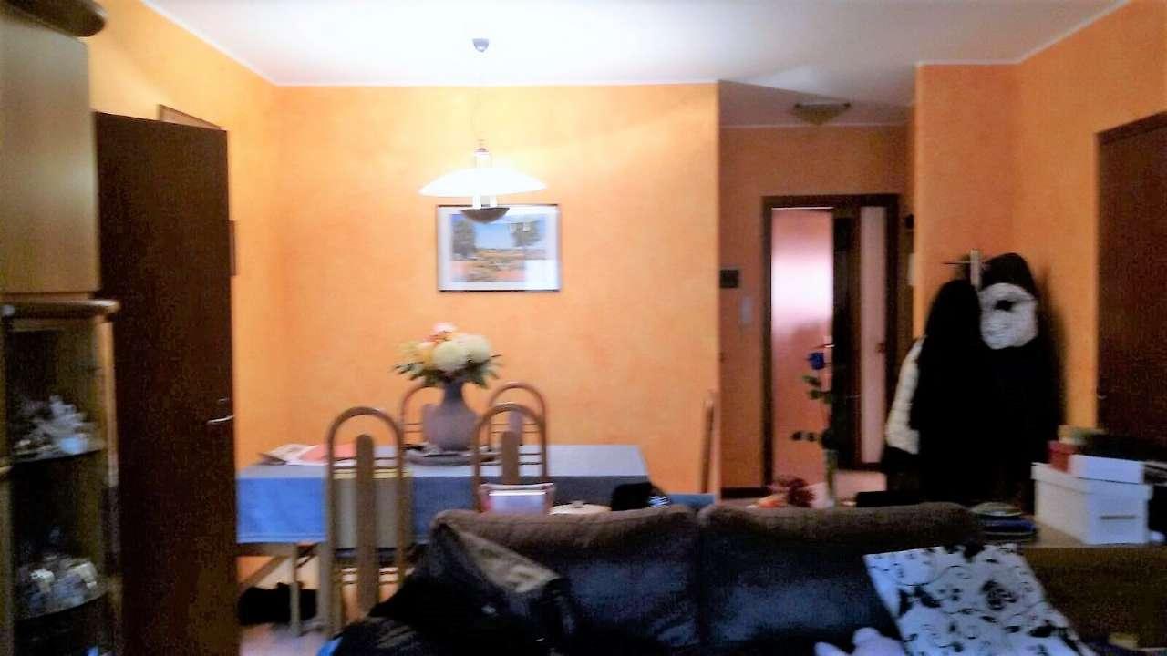Appartamento in vendita a Bareggio, 4 locali, prezzo € 200.000 | Cambio Casa.it