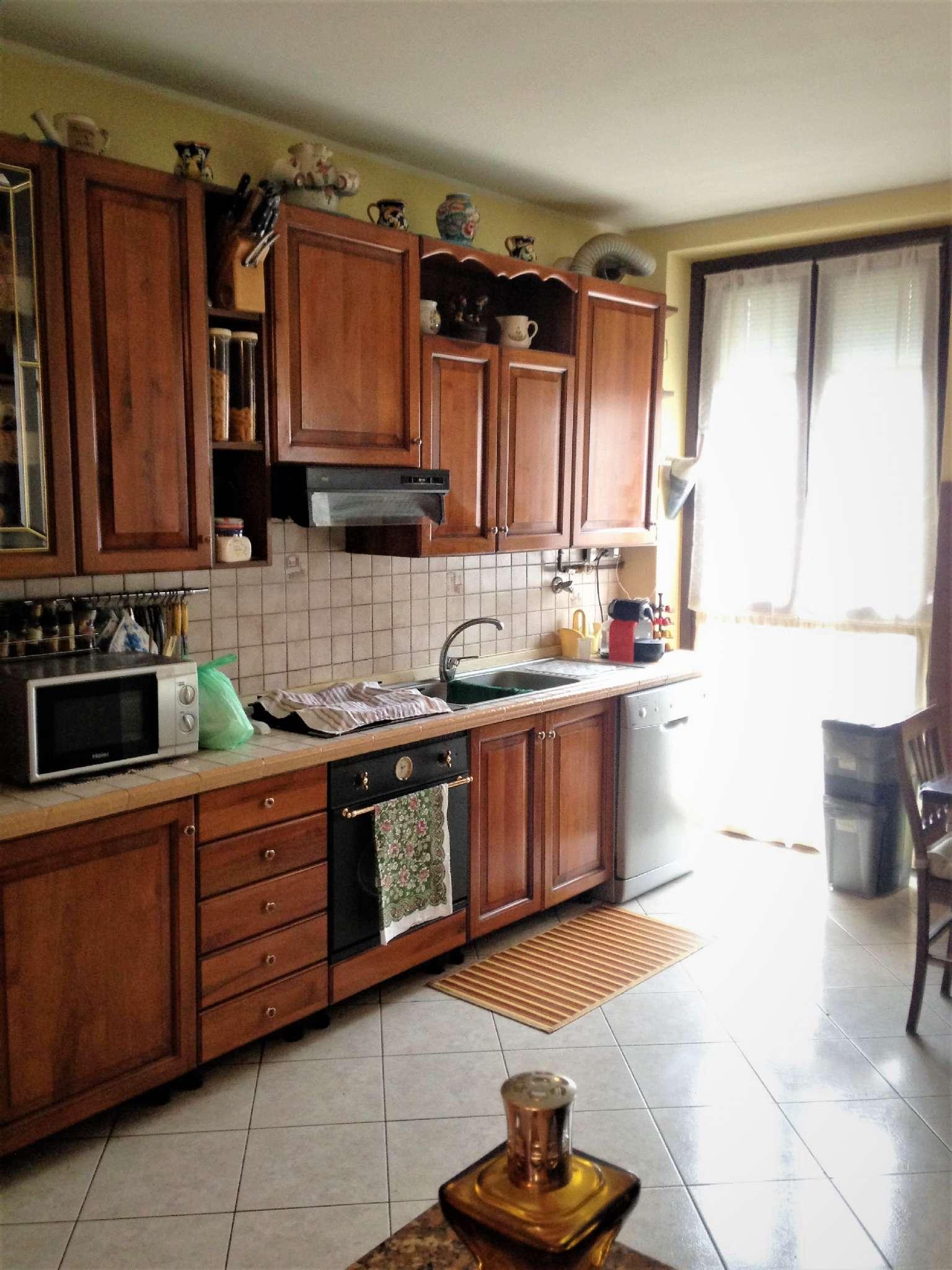 Appartamento in vendita a Arluno, 3 locali, prezzo € 115.000 | Cambio Casa.it