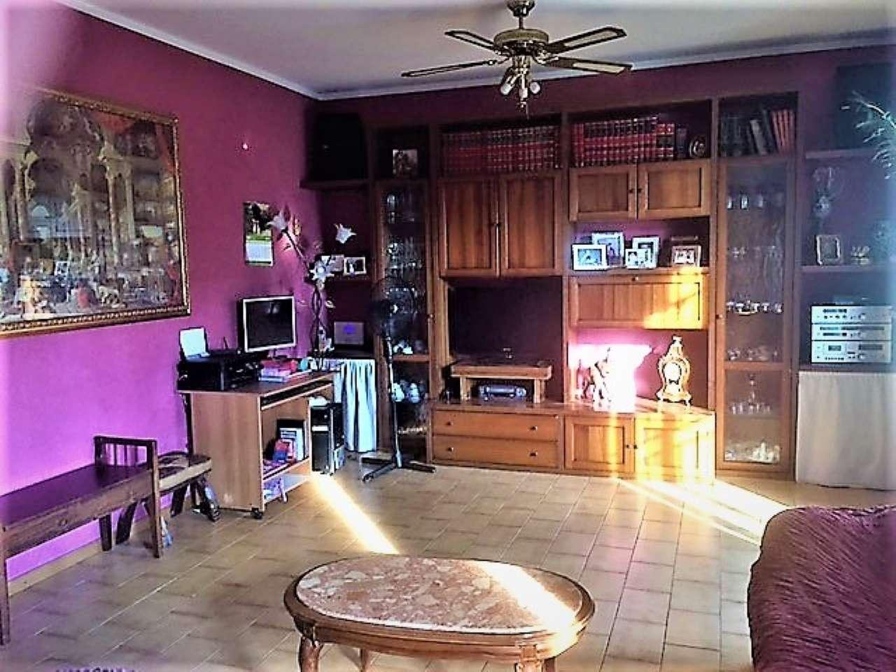 Villa Tri-Quadrifamiliare in Vendita a Pogliano Milanese