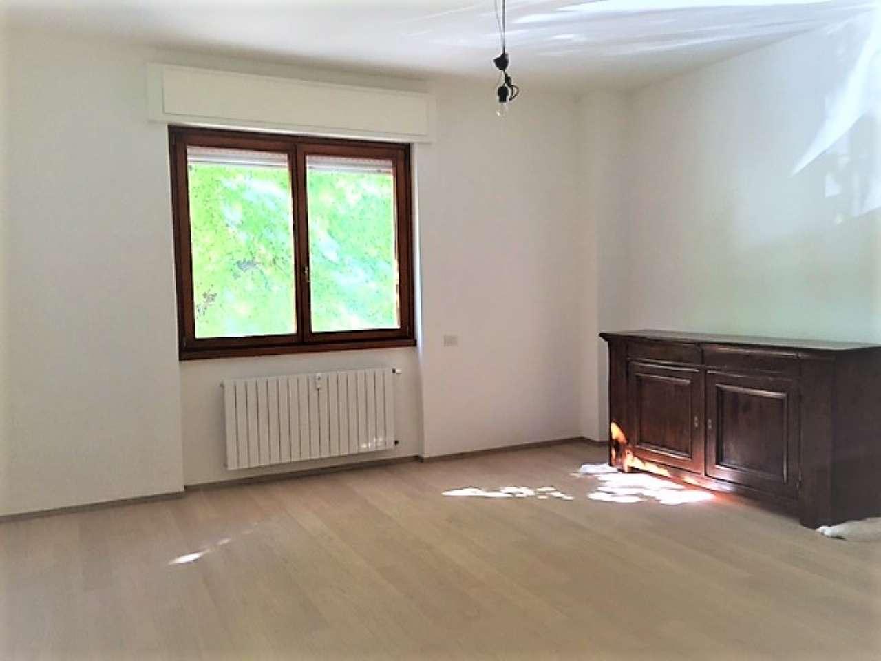 Appartamento in vendita a Lainate, 3 locali, prezzo € 250.000 | CambioCasa.it