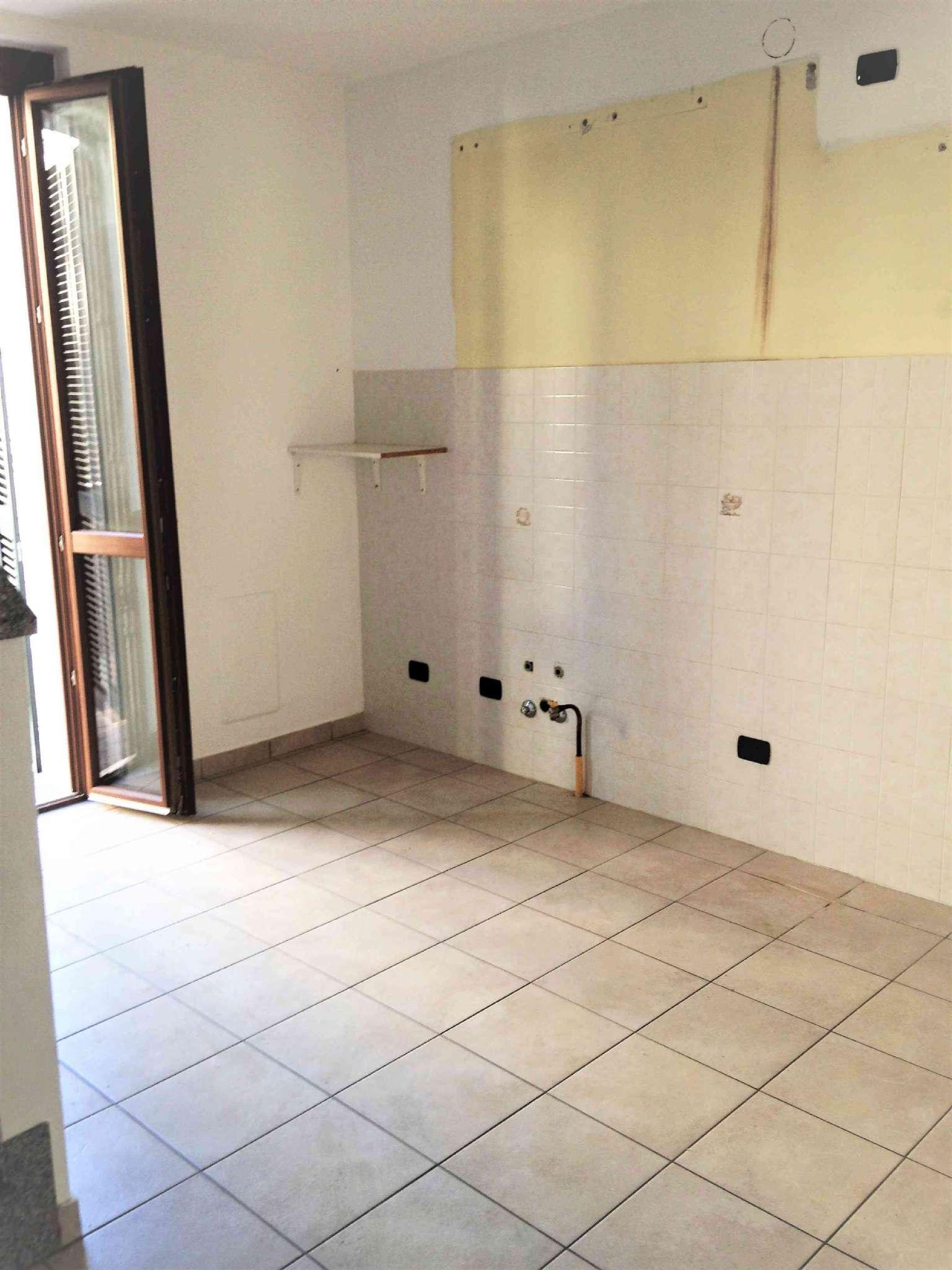 Appartamento in affitto a Arluno, 3 locali, prezzo € 500 | CambioCasa.it