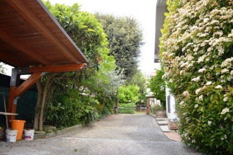 Villa in vendita a Castrocaro Terme e Terra del Sole, 6 locali, prezzo € 420.000 | Cambio Casa.it