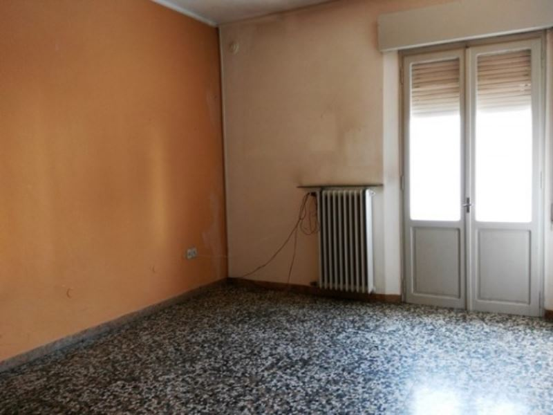 Appartamento in affitto a Forlì, 4 locali, prezzo € 500 | Cambio Casa.it