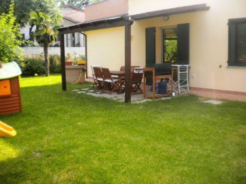 Soluzione Indipendente in vendita a Forlì, 4 locali, prezzo € 320.000 | Cambio Casa.it