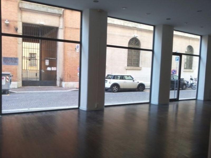 Negozio / Locale in affitto a Forlì, 2 locali, prezzo € 800 | Cambio Casa.it