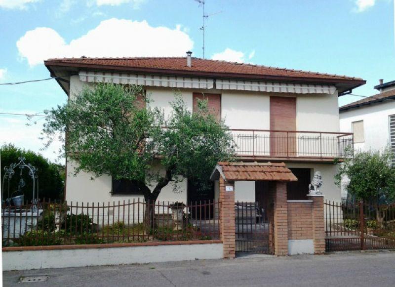 Soluzione Indipendente in vendita a Forlì, 9999 locali, prezzo € 290.000 | CambioCasa.it