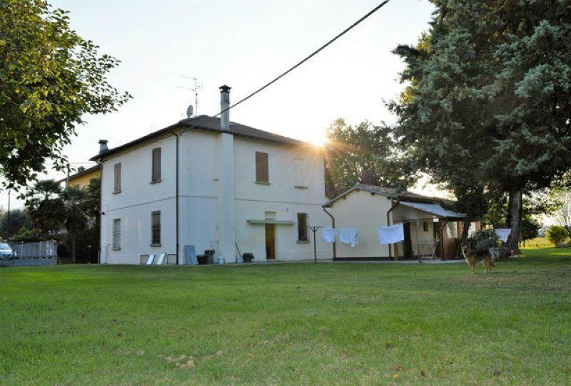 Soluzione Indipendente in vendita a Forlì, 9999 locali, prezzo € 400.000 | Cambio Casa.it