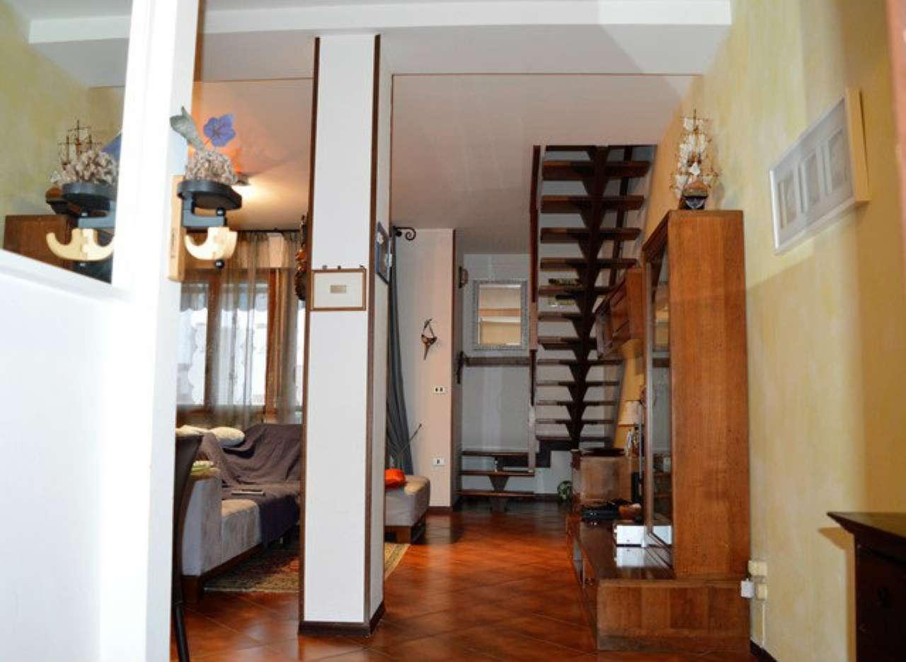 Appartamento in vendita a Forlì, 8 locali, prezzo € 210.000 | Cambio Casa.it