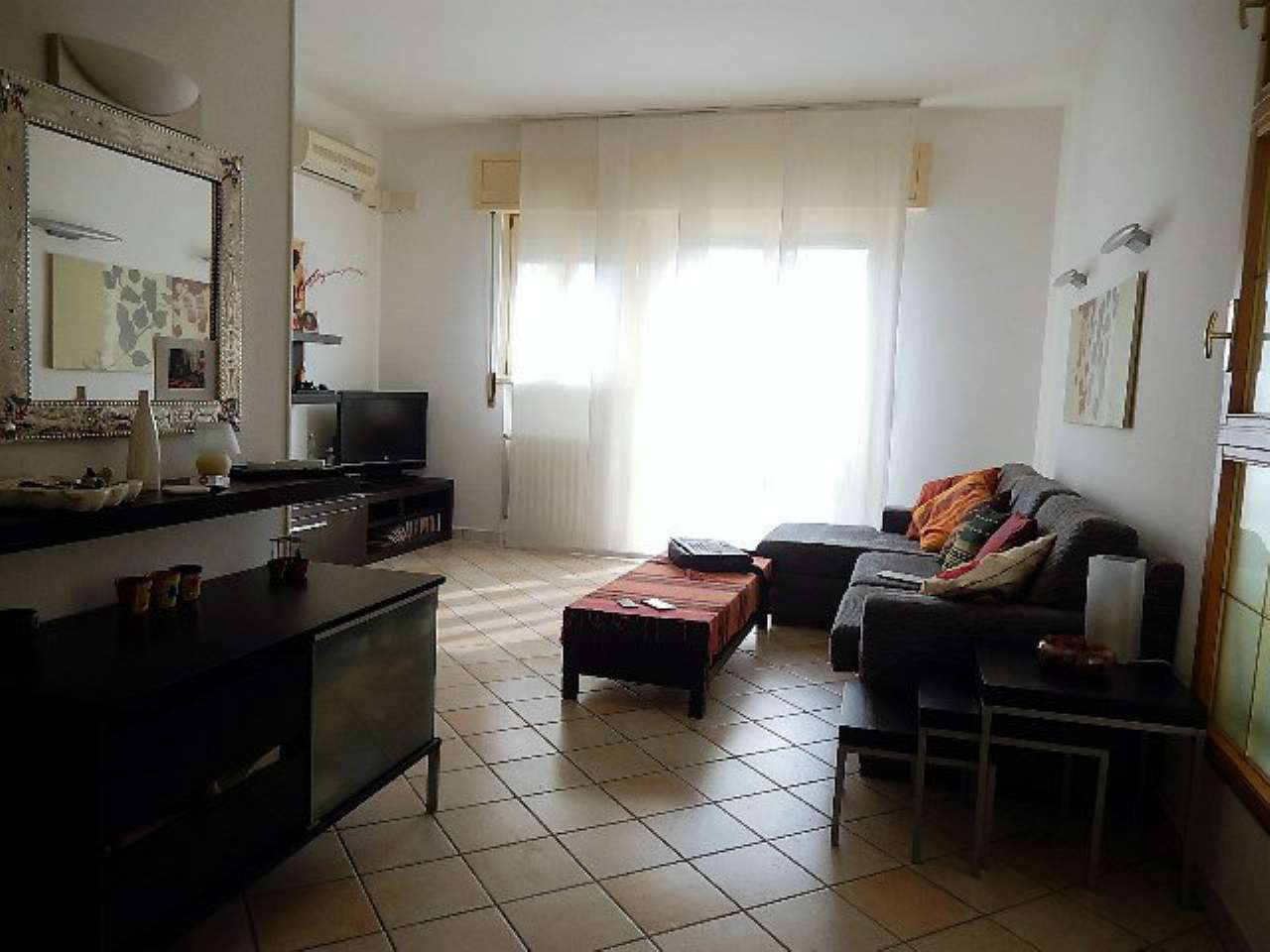 Appartamento in vendita a Forlì, 5 locali, prezzo € 155.000 | CambioCasa.it