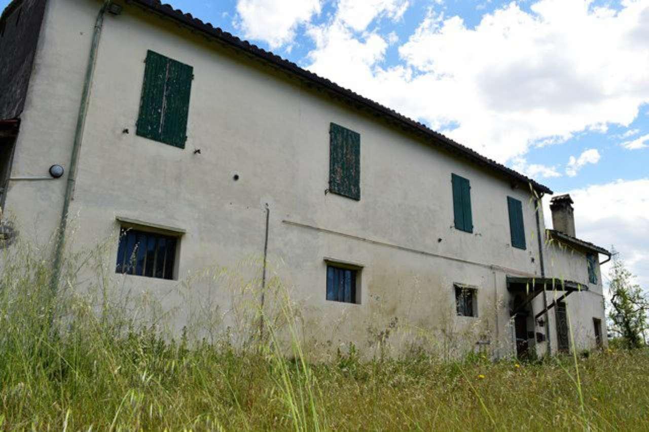 Soluzione Indipendente in vendita a Forlì, 10 locali, prezzo € 190.000 | CambioCasa.it