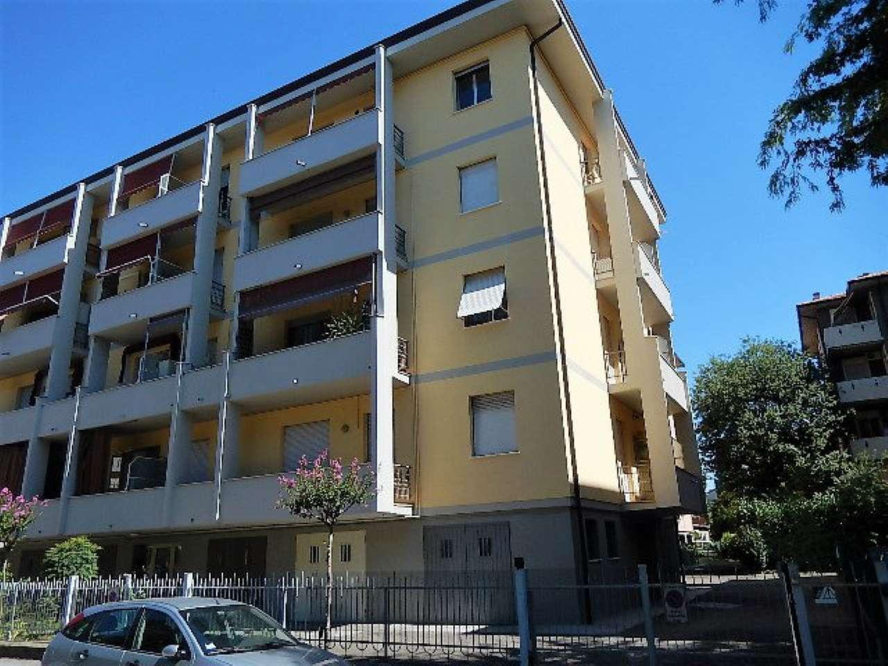 Appartamento in vendita a Forlì, 4 locali, prezzo € 100.000   CambioCasa.it