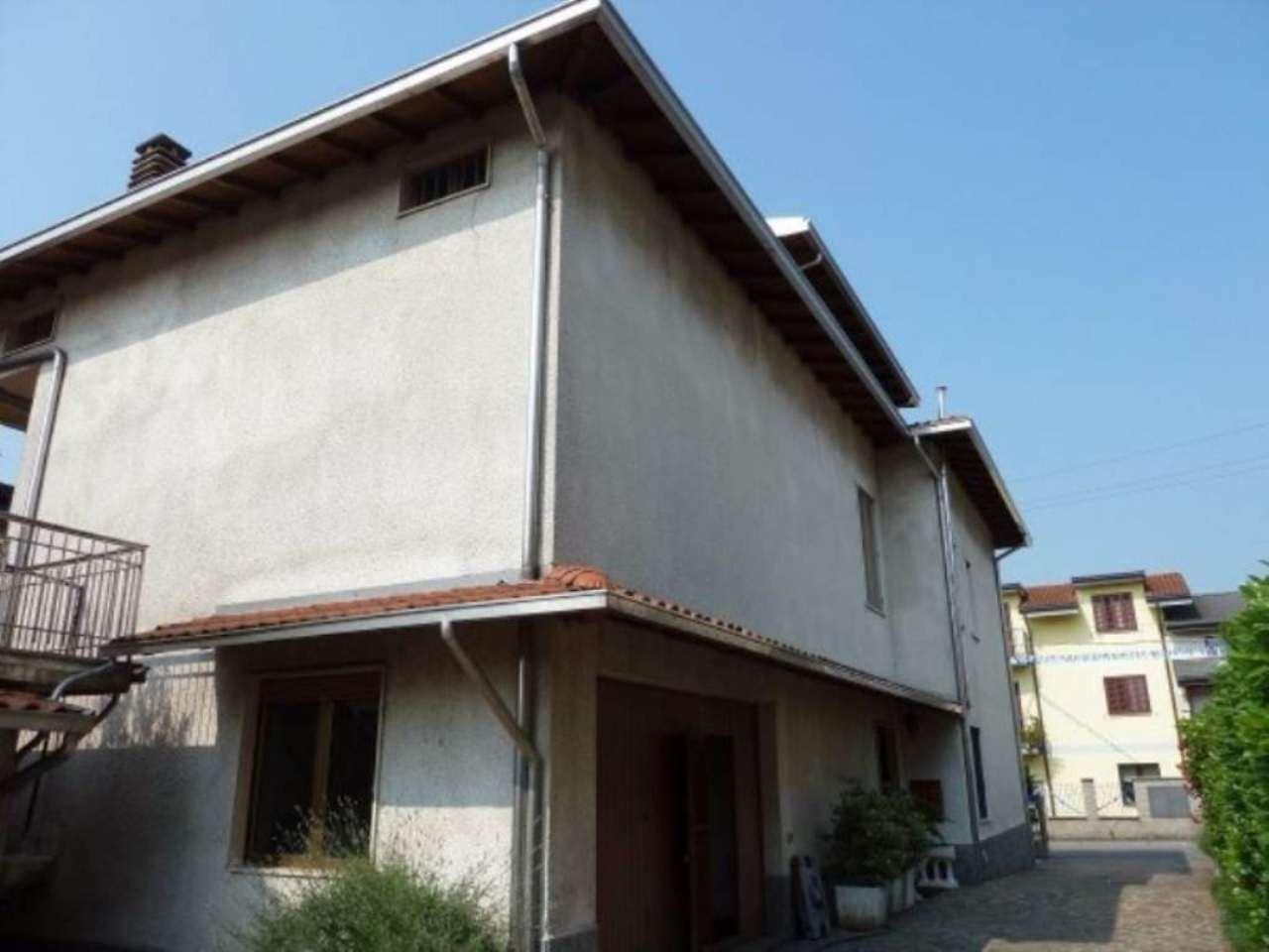 Villa in vendita a Limbiate, 5 locali, prezzo € 299.000 | Cambio Casa.it