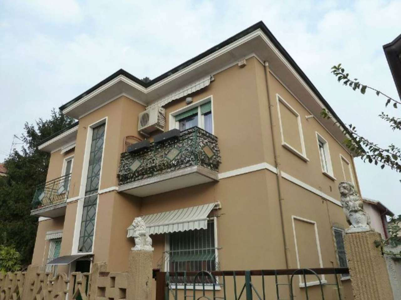 Appartamento in vendita a Limbiate, 3 locali, prezzo € 129.000   Cambio Casa.it