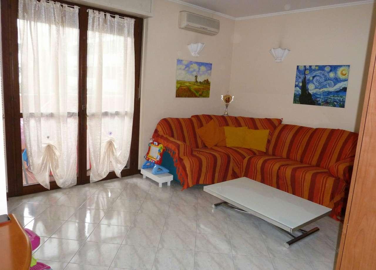 Appartamento in vendita a Limbiate, 3 locali, prezzo € 139.000 | Cambio Casa.it