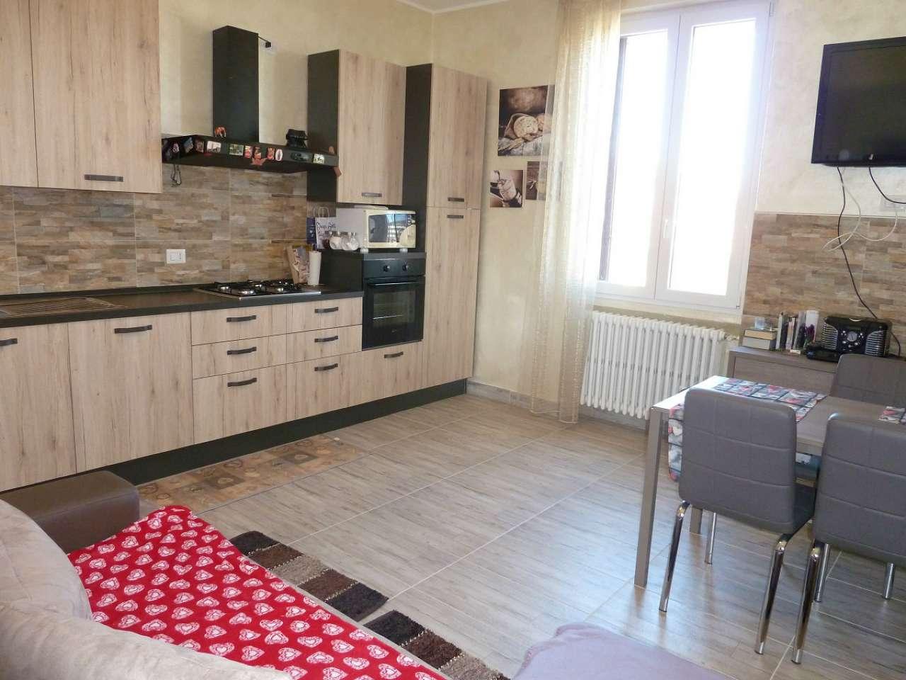 Appartamento in vendita a Limbiate, 2 locali, prezzo € 84.000 | Cambio Casa.it