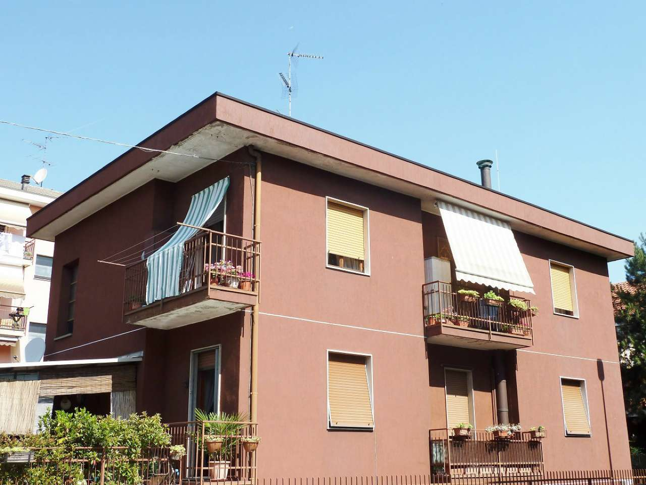 Appartamento in vendita a Limbiate, 3 locali, prezzo € 135.000   CambioCasa.it