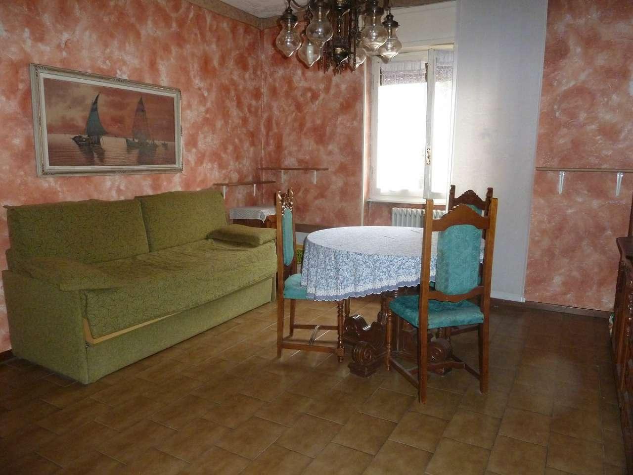 Appartamento in vendita a Limbiate, 2 locali, prezzo € 47.000 | CambioCasa.it