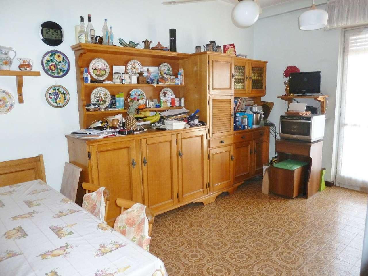 Appartamento trilocale in vendita a Limbiate (MB)