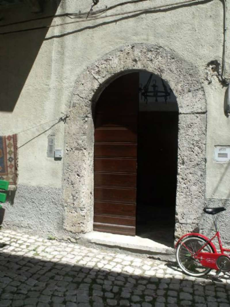 Appartamento in vendita a Pescasseroli, 2 locali, prezzo € 90.000 | CambioCasa.it