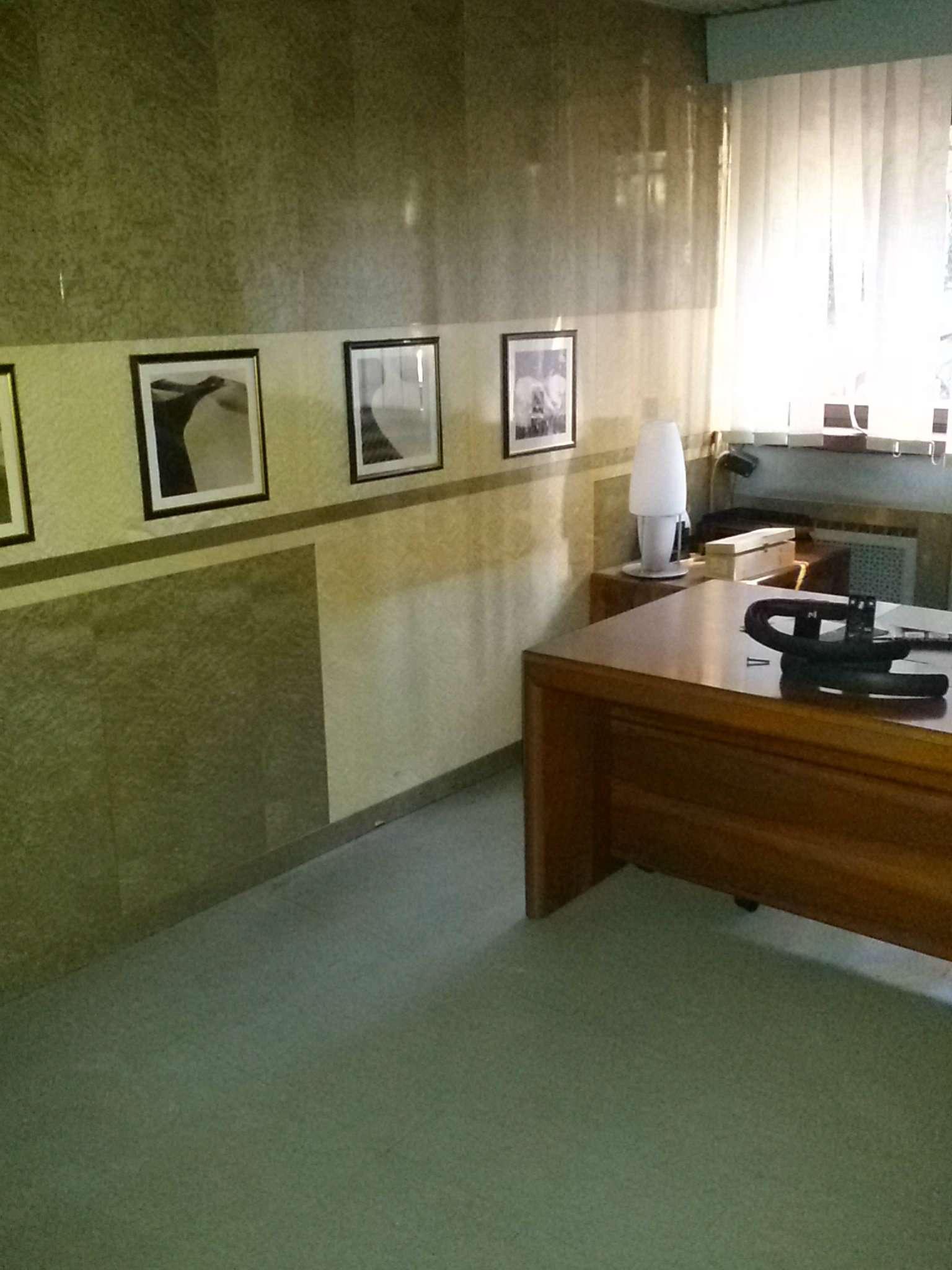 Ufficio studio roma affitto 4500 euro zona 22 eur 22 for Affitto ufficio eur roma