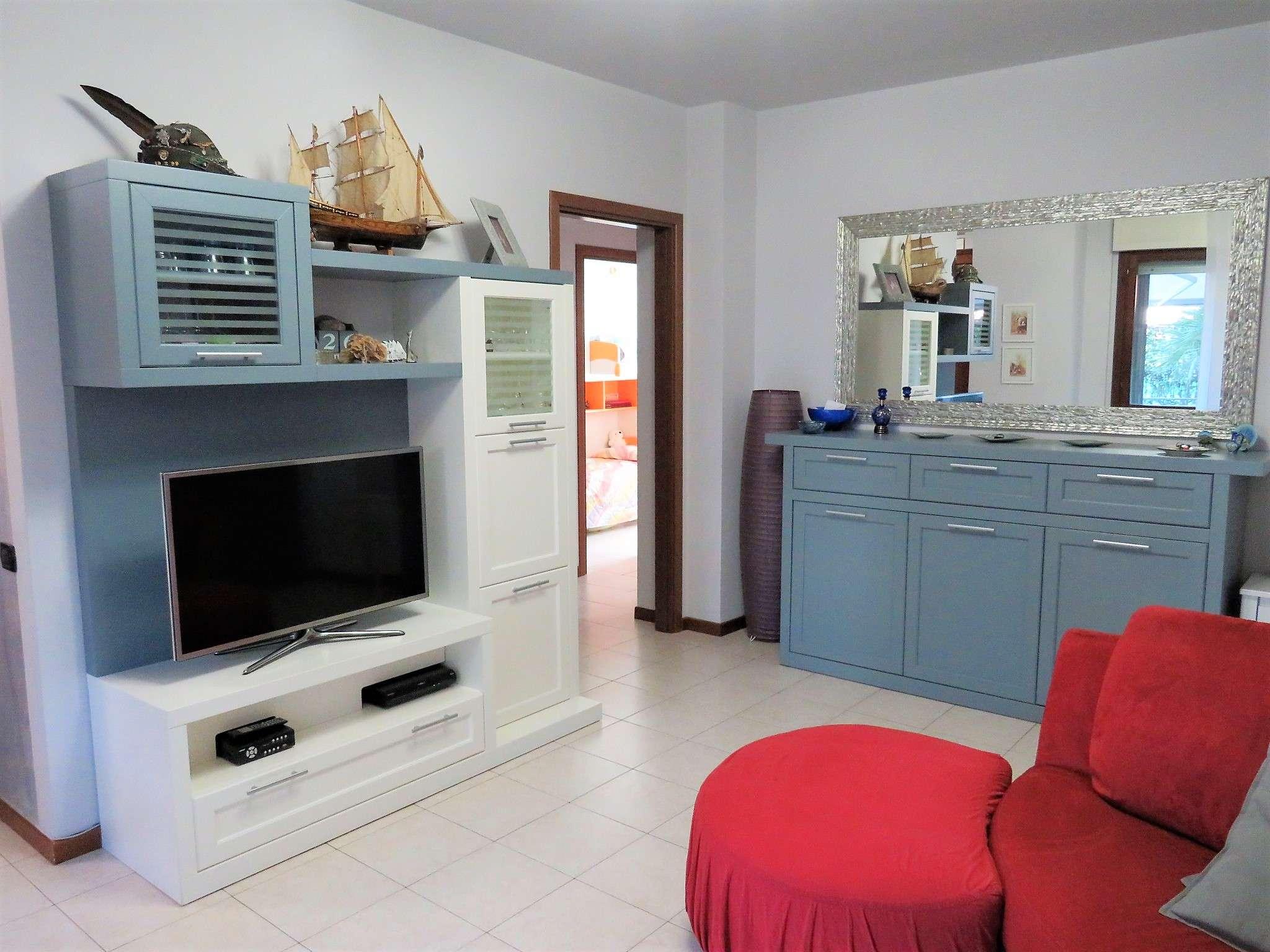 Appartamento in vendita a Rozzano, 3 locali, prezzo € 210.000 | Cambio Casa.it